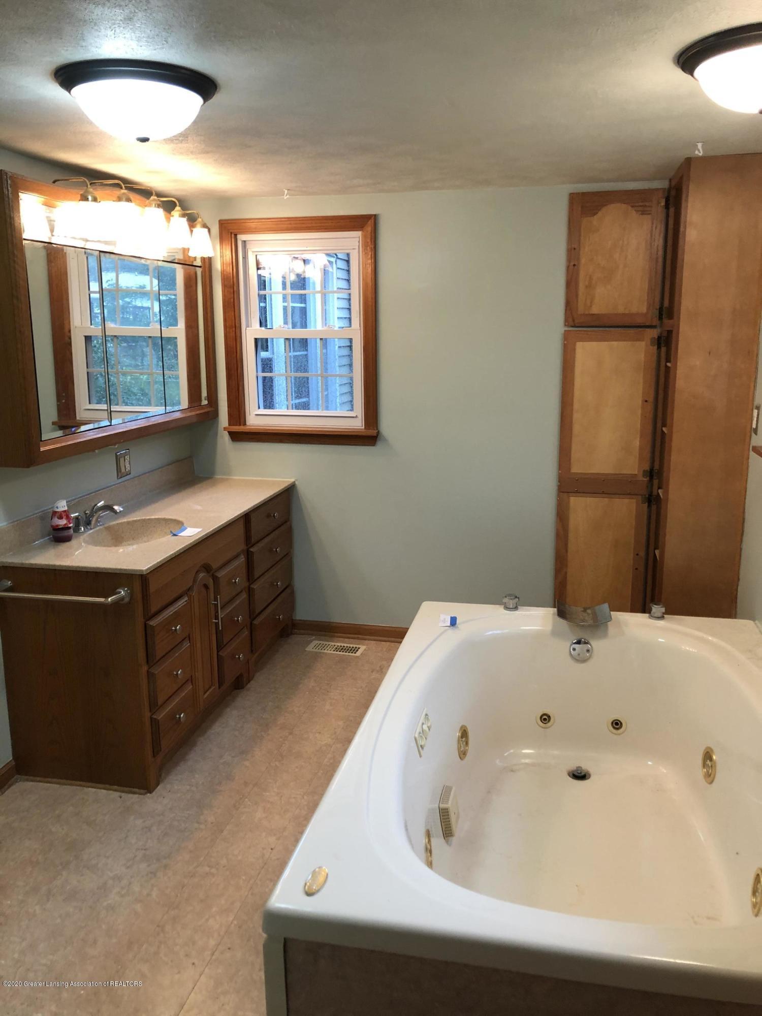 614 Hyatt St - Bathroom - 8