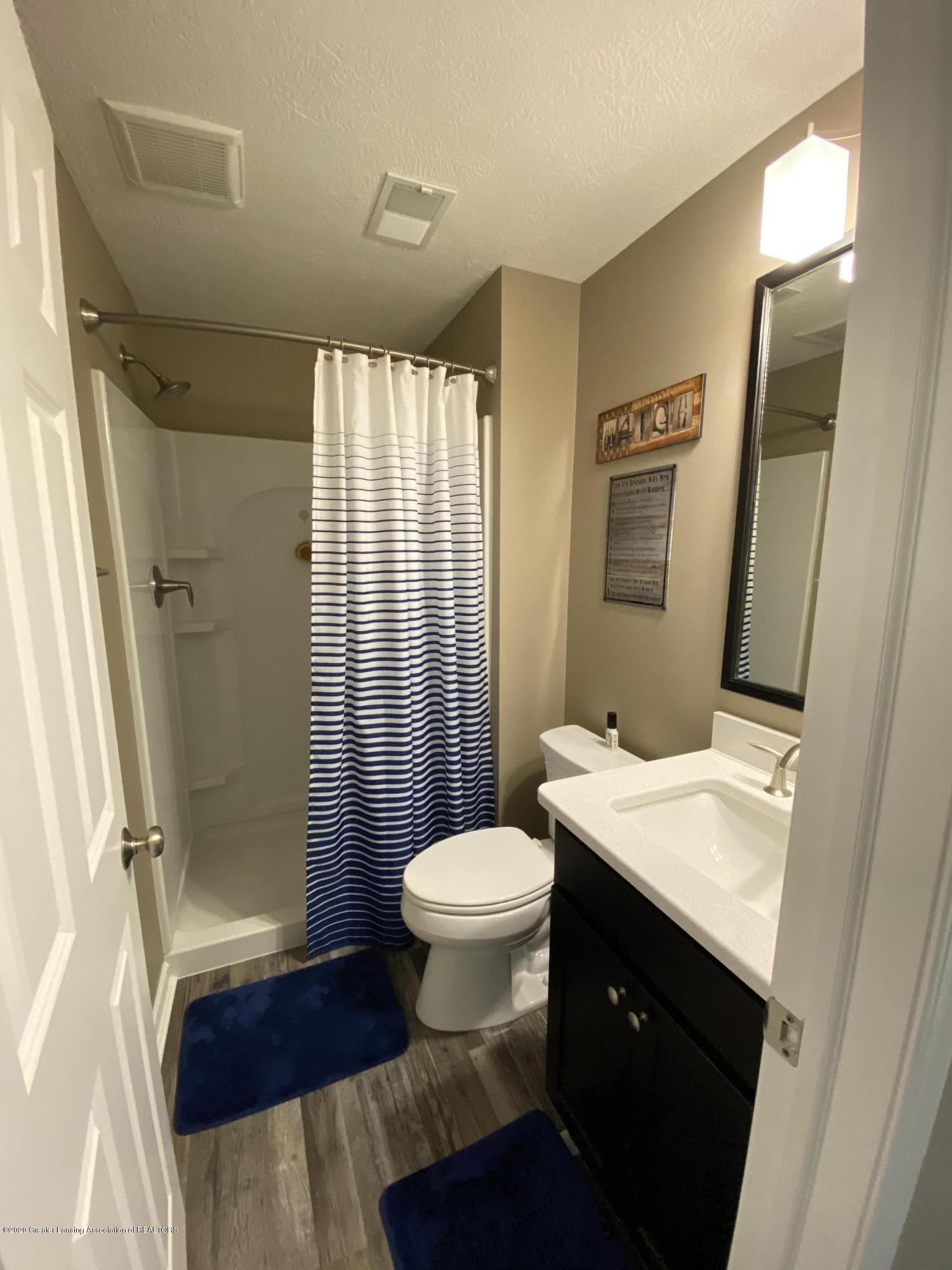 1204 Verbena Ln - lower level bathroom - 27