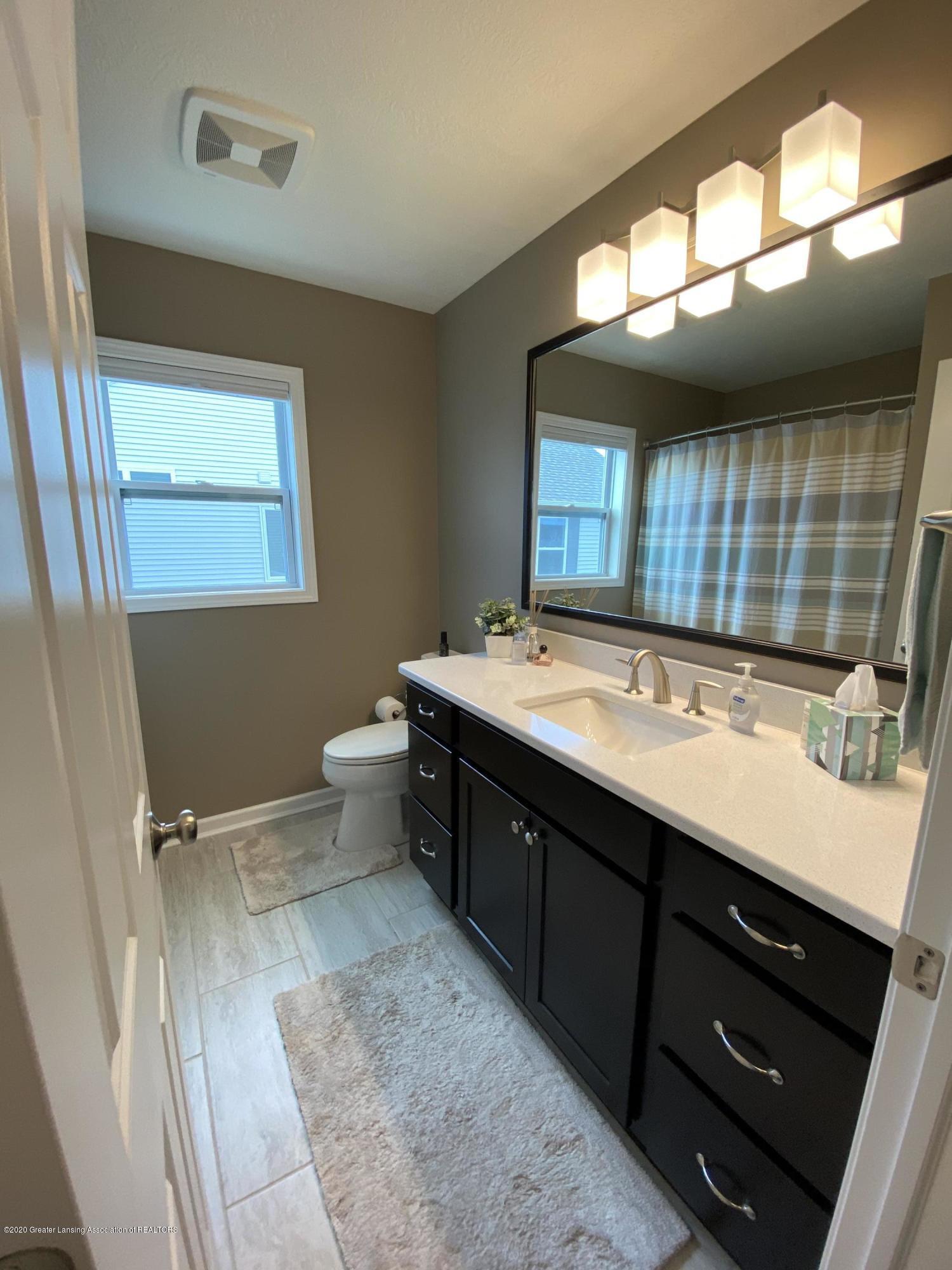 1204 Verbena Ln - master bathroom - 15