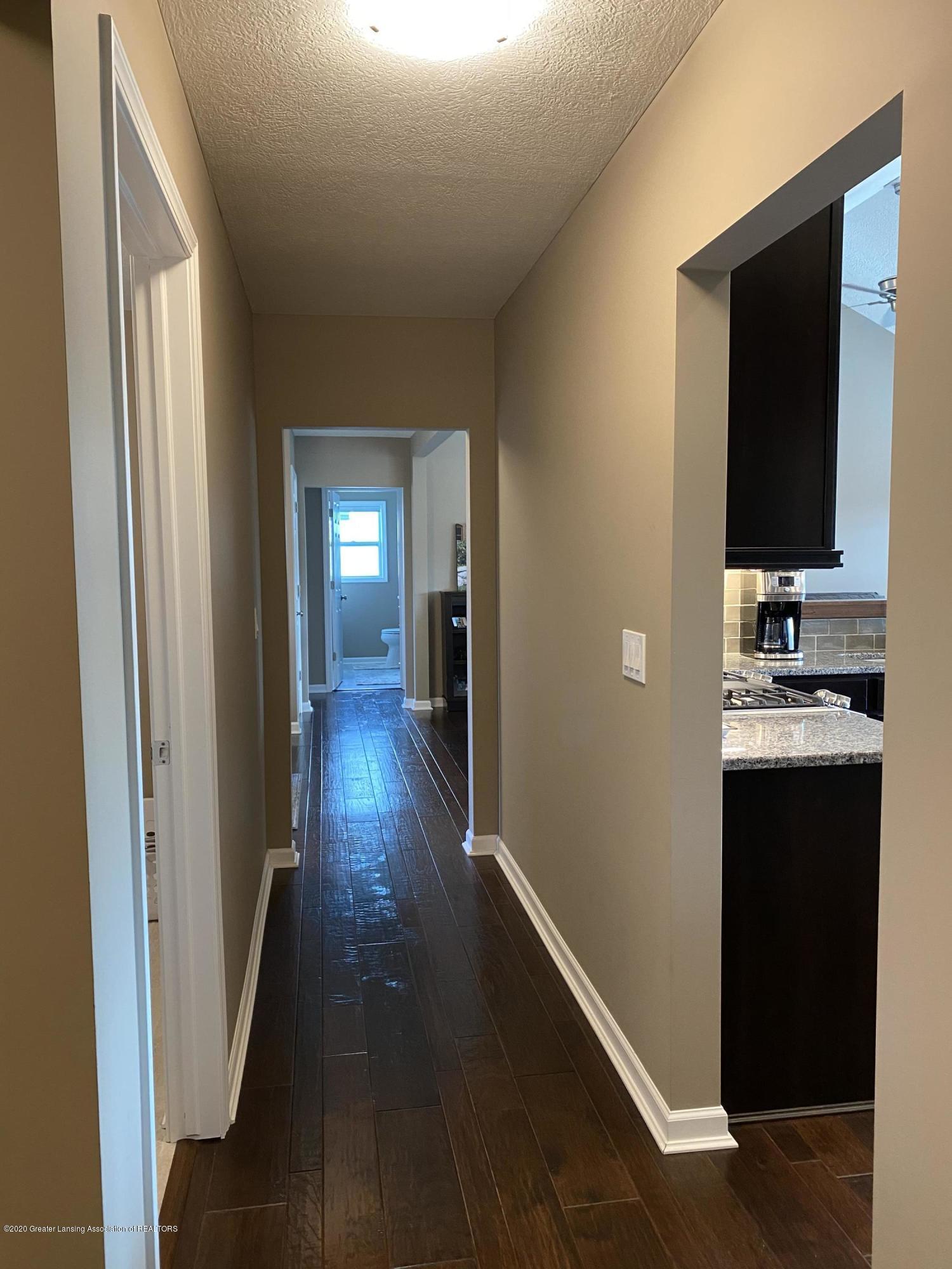 1204 Verbena Ln - hallway - 19