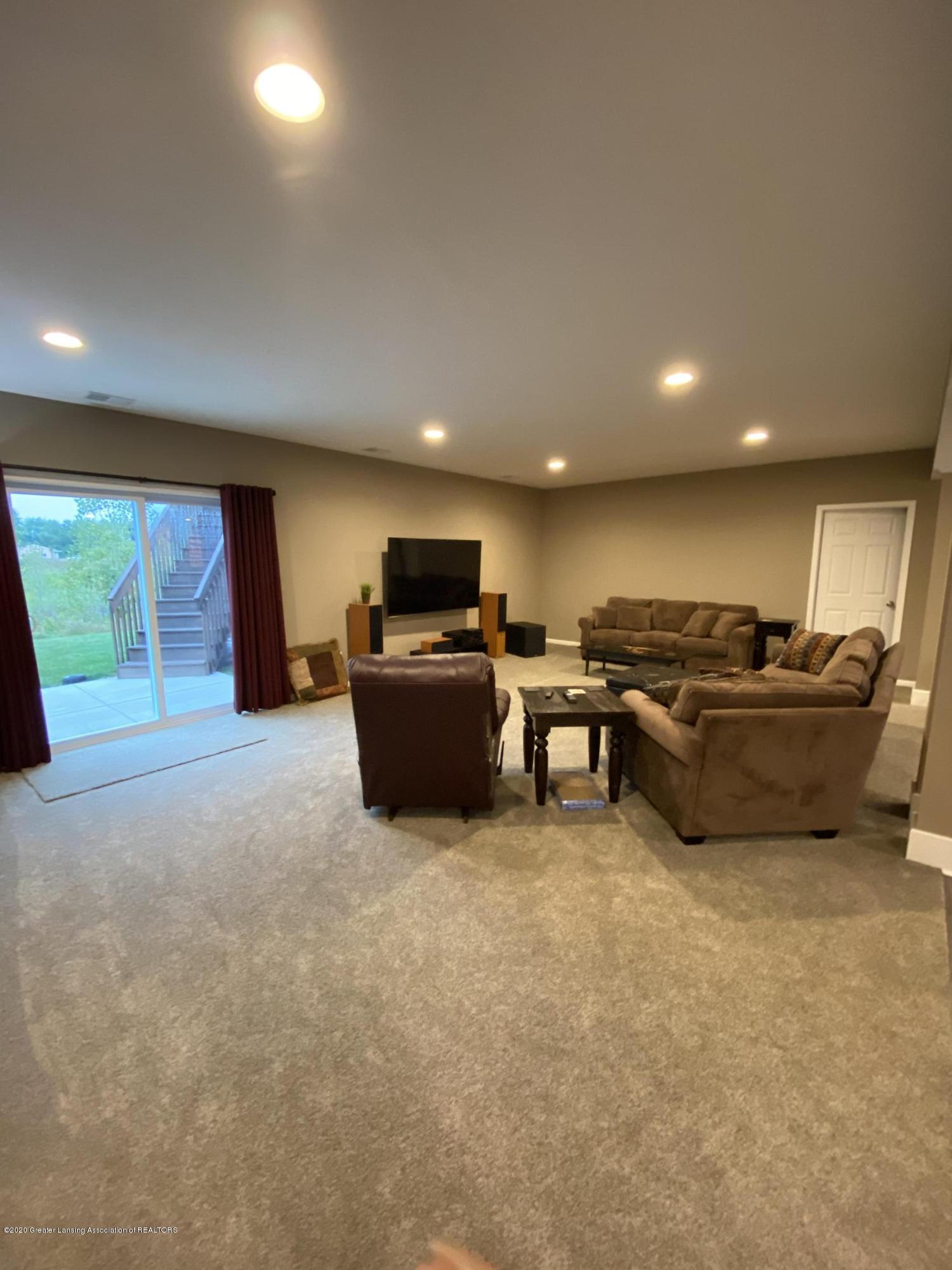 1204 Verbena Ln - Lower level living area - 28