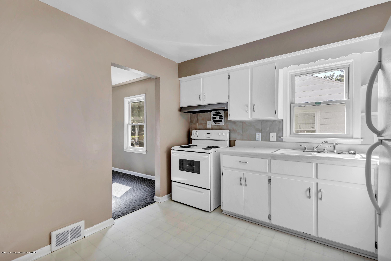 837 Maplehill Ave - Kitchen - 4