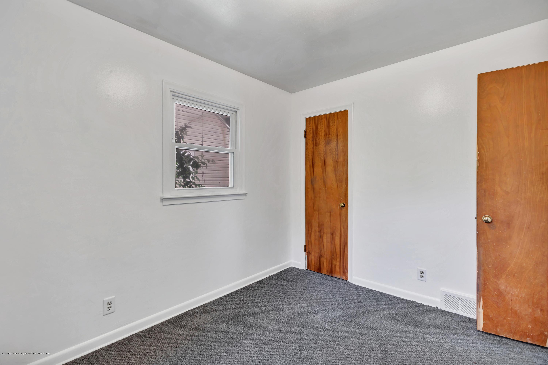 837 Maplehill Ave - bedroom - 10