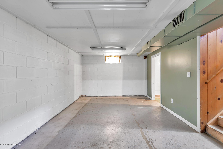 837 Maplehill Ave - basement - 11