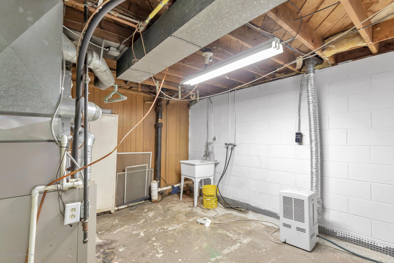 837 Maplehill Ave - basement - 12