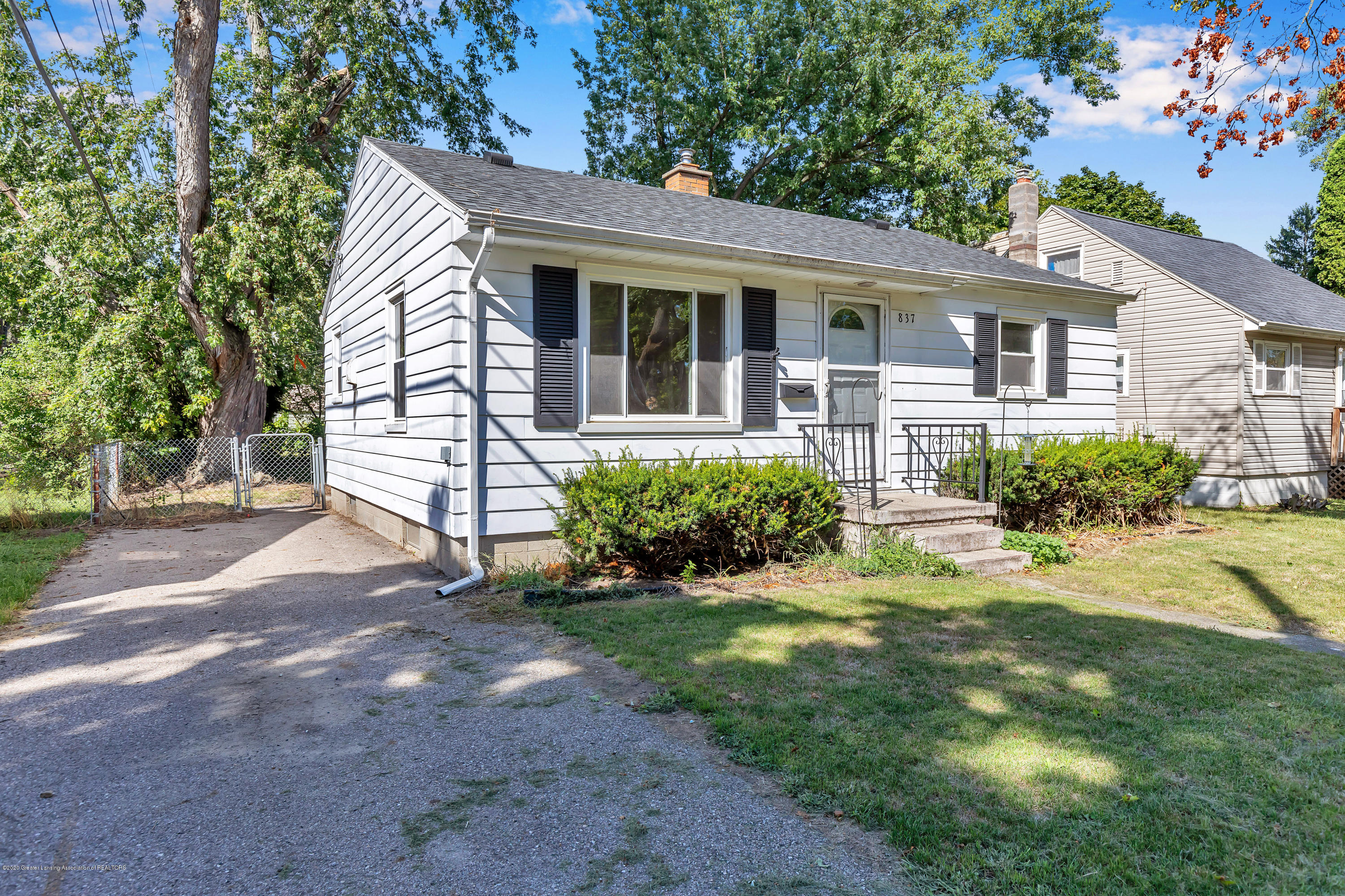 837 Maplehill Ave - Front - 13