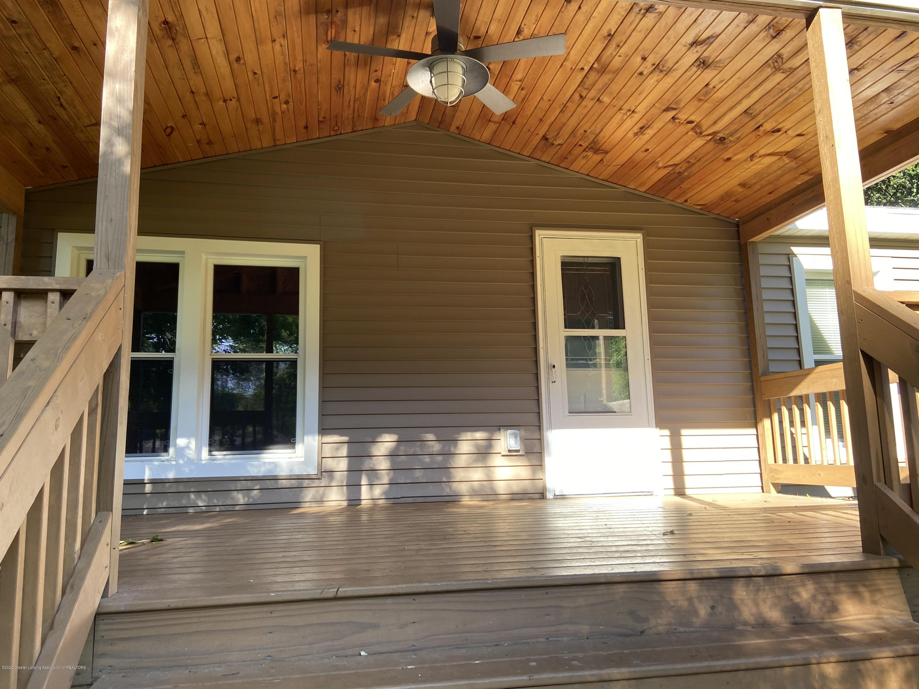 15406 Gary Ln - Front porch - 3