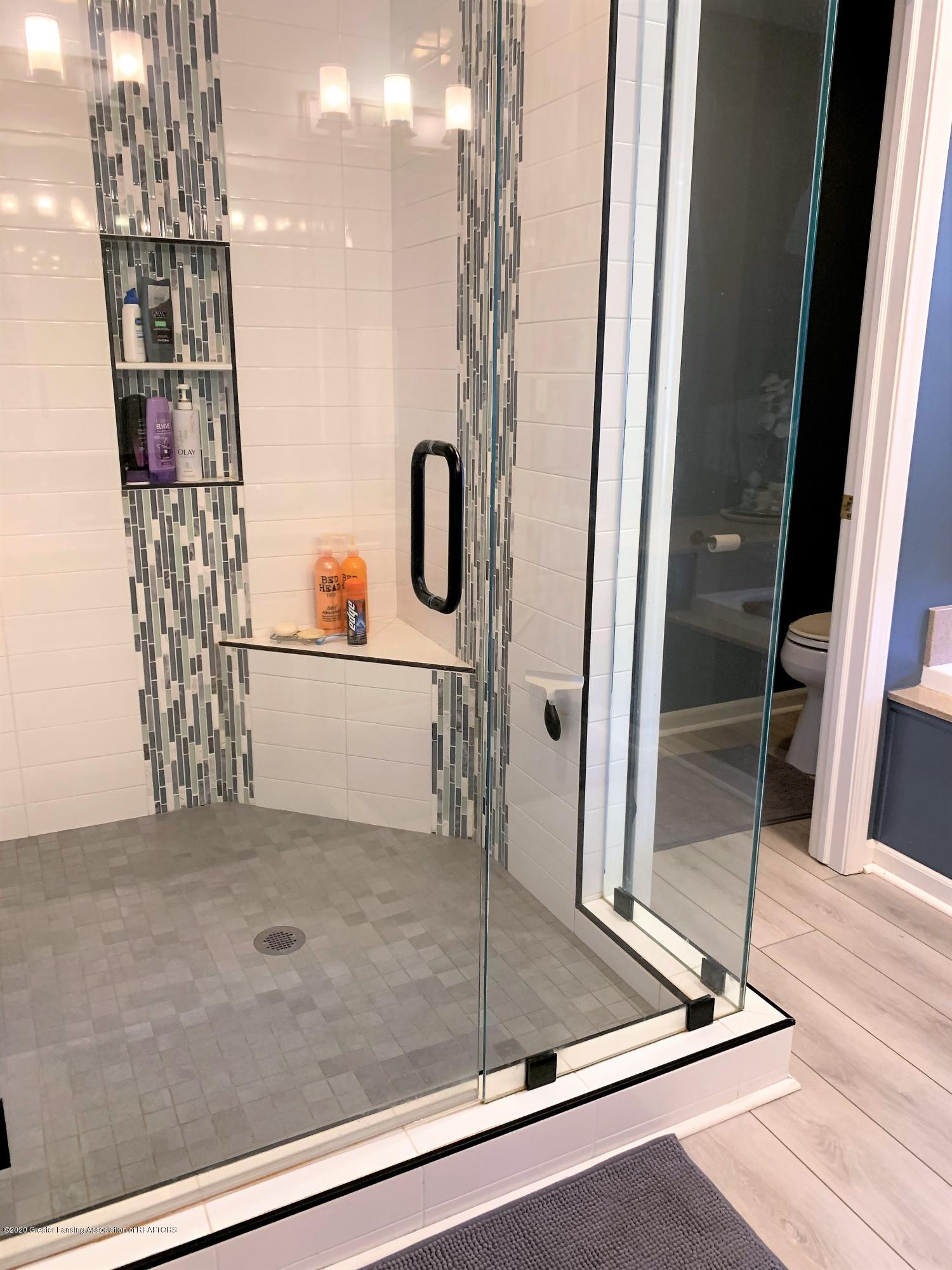 3159 Granview Ln - Mstr Shower - 22