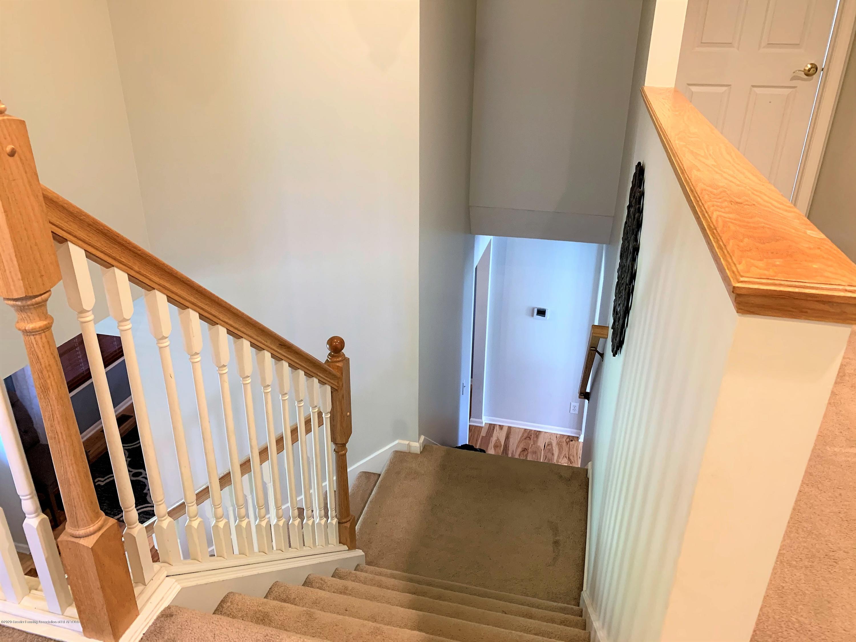 3159 Granview Ln - Split stairs - 18