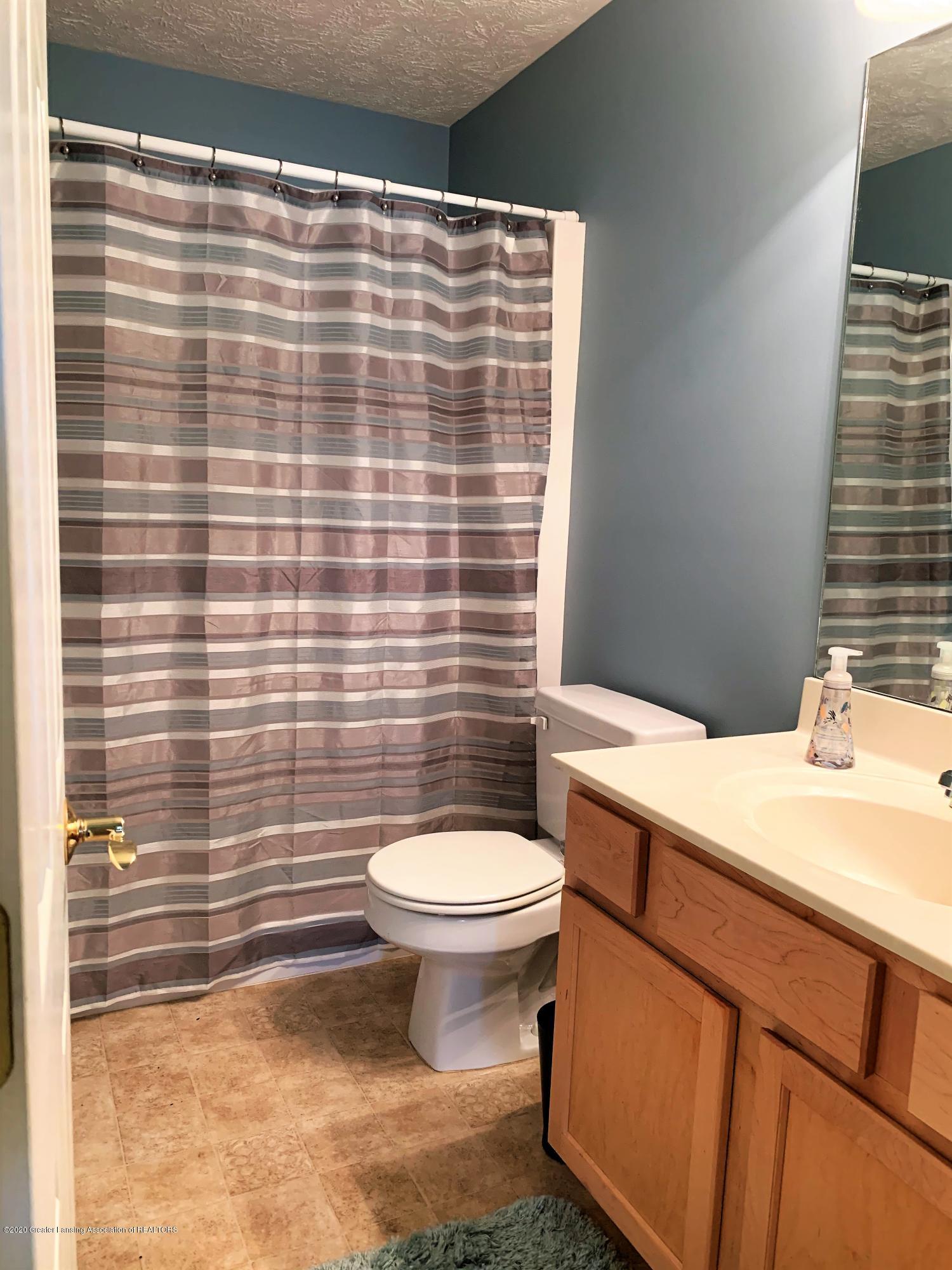 3159 Granview Ln - LL full bath - 30