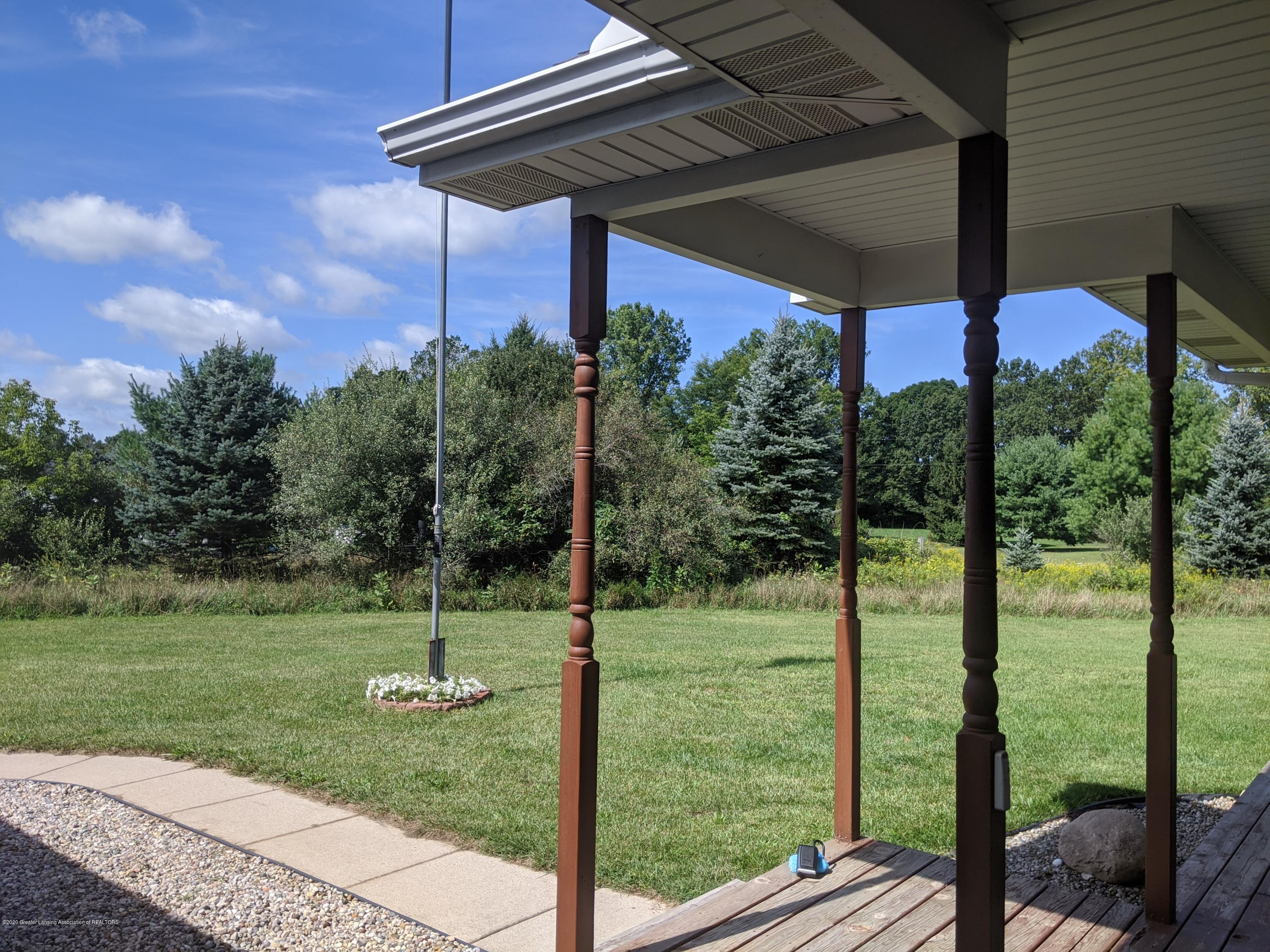 7928 Tyrrell Rd - front porch view - 9