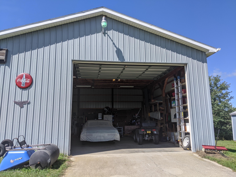 7928 Tyrrell Rd - pole barn open door - 22