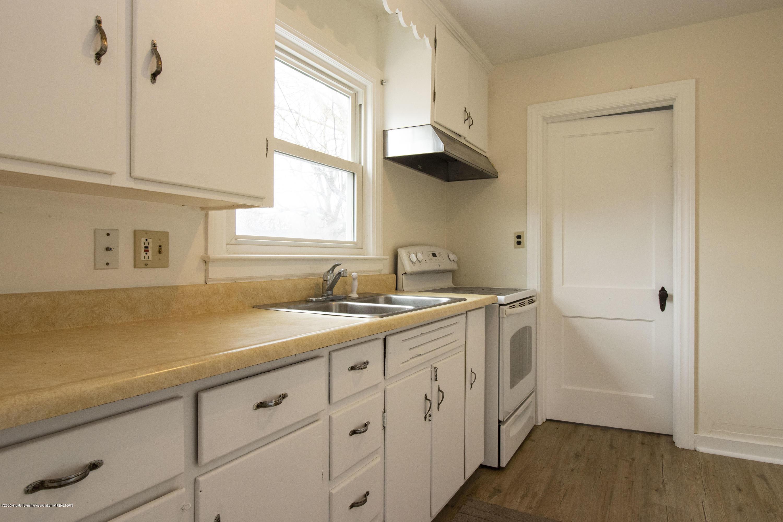 1533 S Pennsylvania Ave - Kitchen - 5