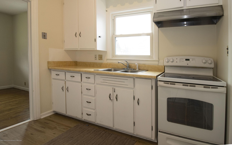 1533 S Pennsylvania Ave - Kitchen - 6