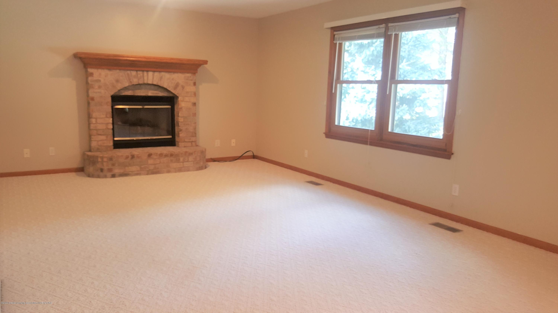 5411 Jo Pass - living room - 3