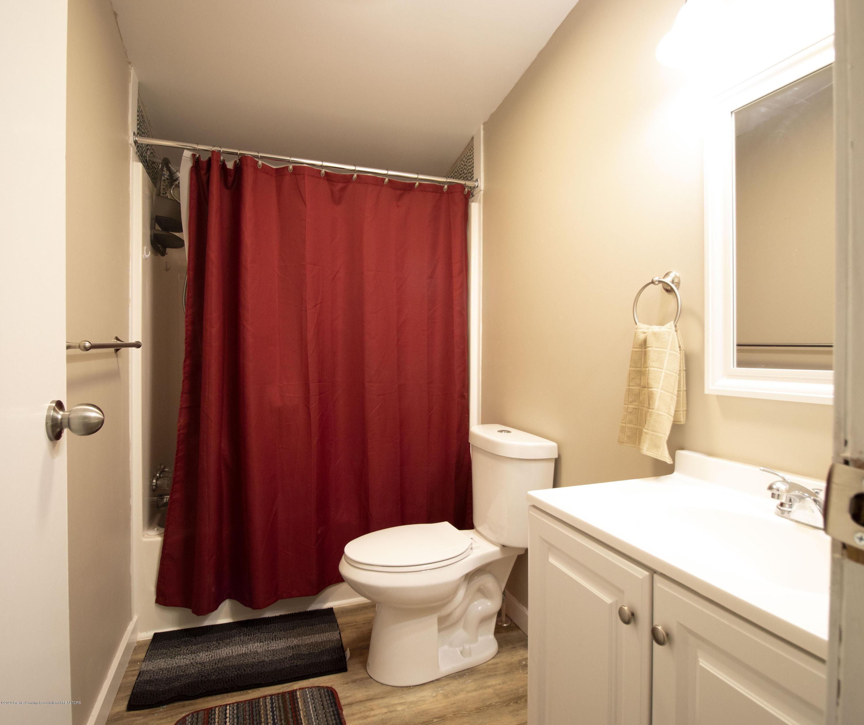 2912 Midwood St - bath main - 10