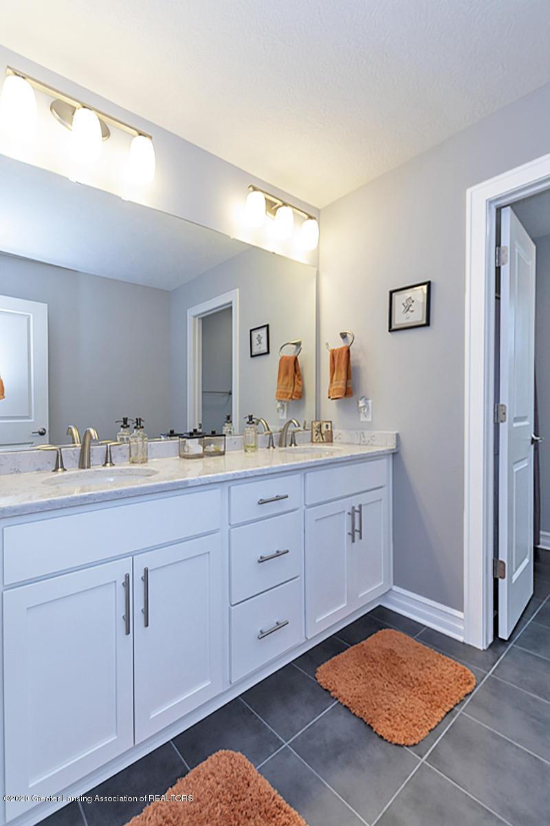 2768 Kittansett Dr - 2nd Flr. Full Bathroom - 33