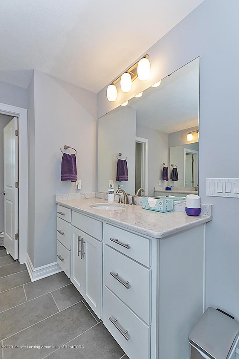 2768 Kittansett Dr - Master Bathroom - 28