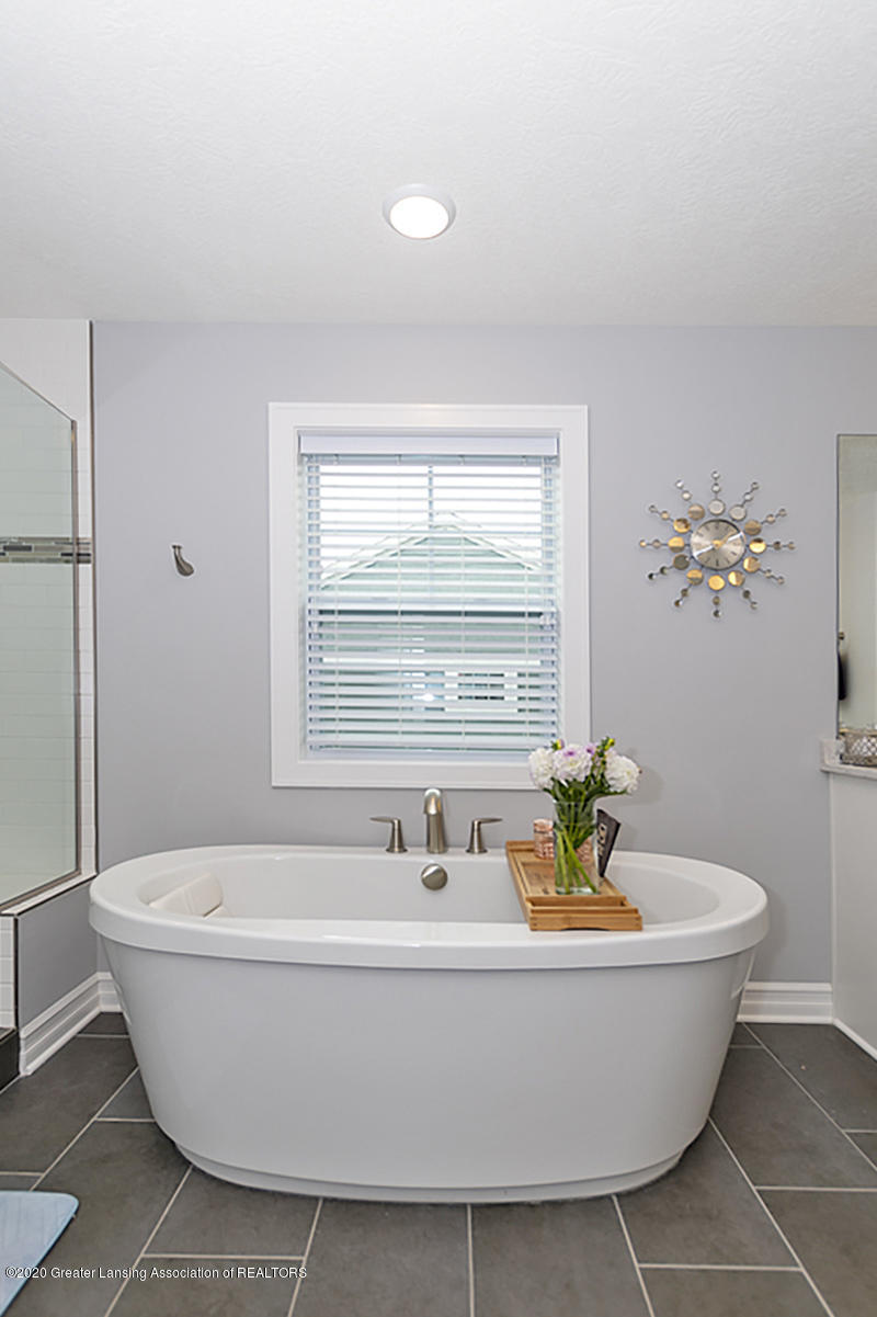 2768 Kittansett Dr - Master Bathroom - 25
