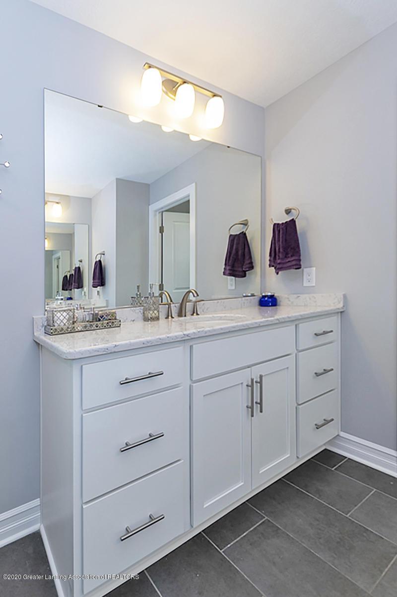 2768 Kittansett Dr - Master Bathroom - 27