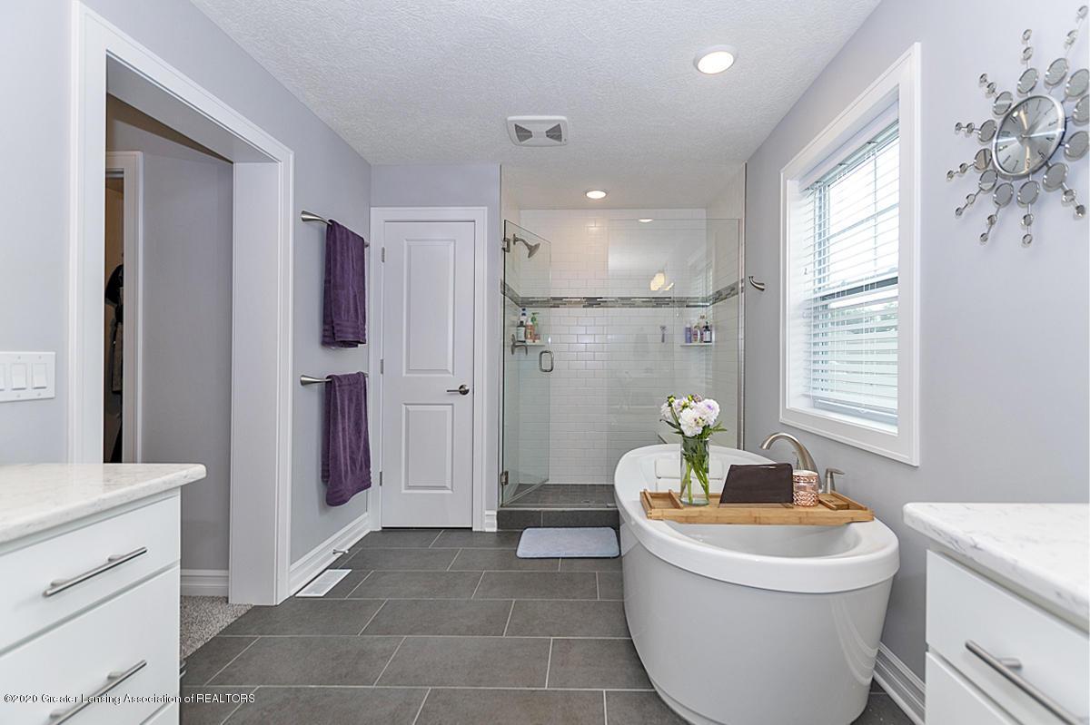 2768 Kittansett Dr - Master Bathroom - 24