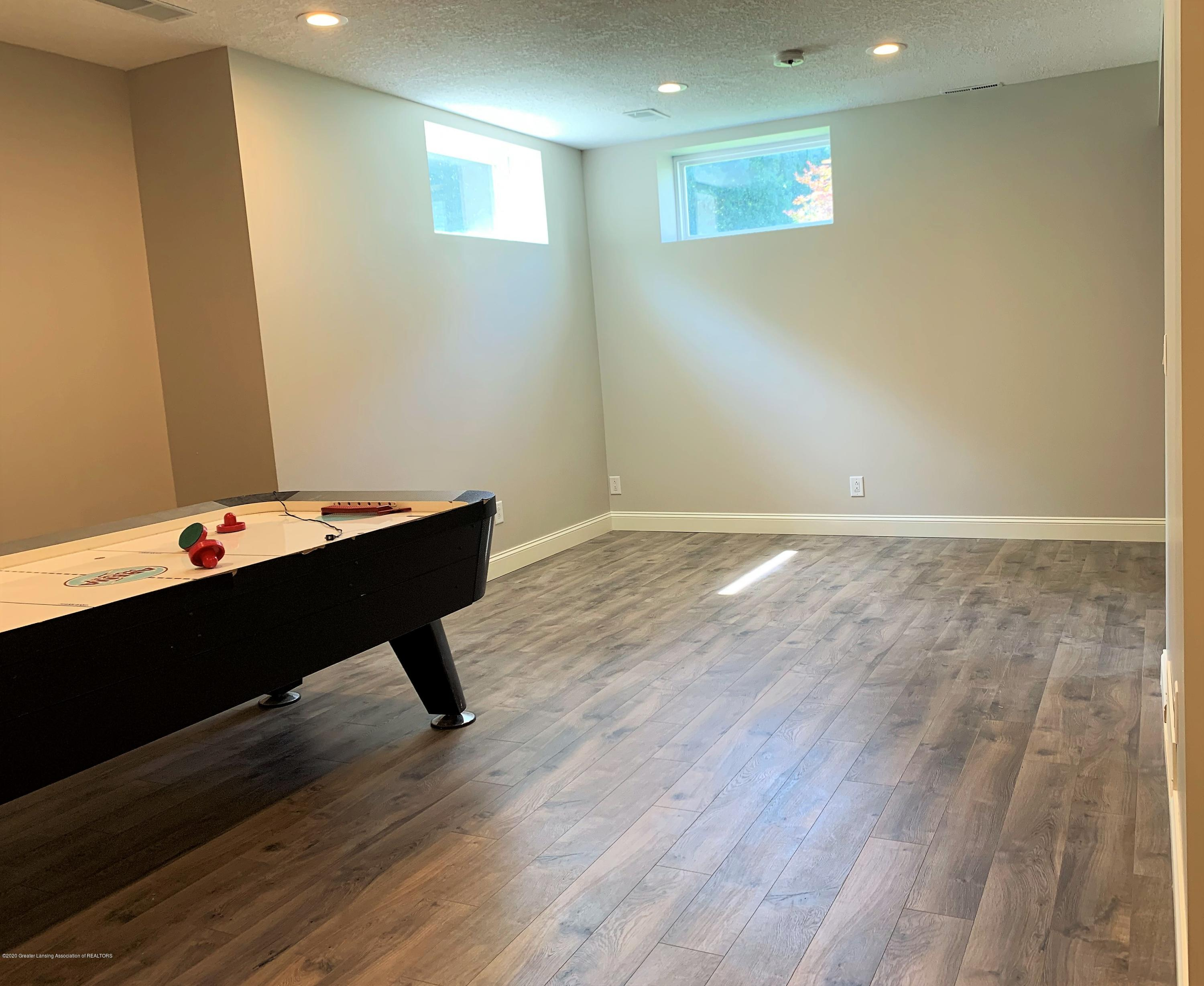 16958 Broadview Dr - IMG_4398 - 37
