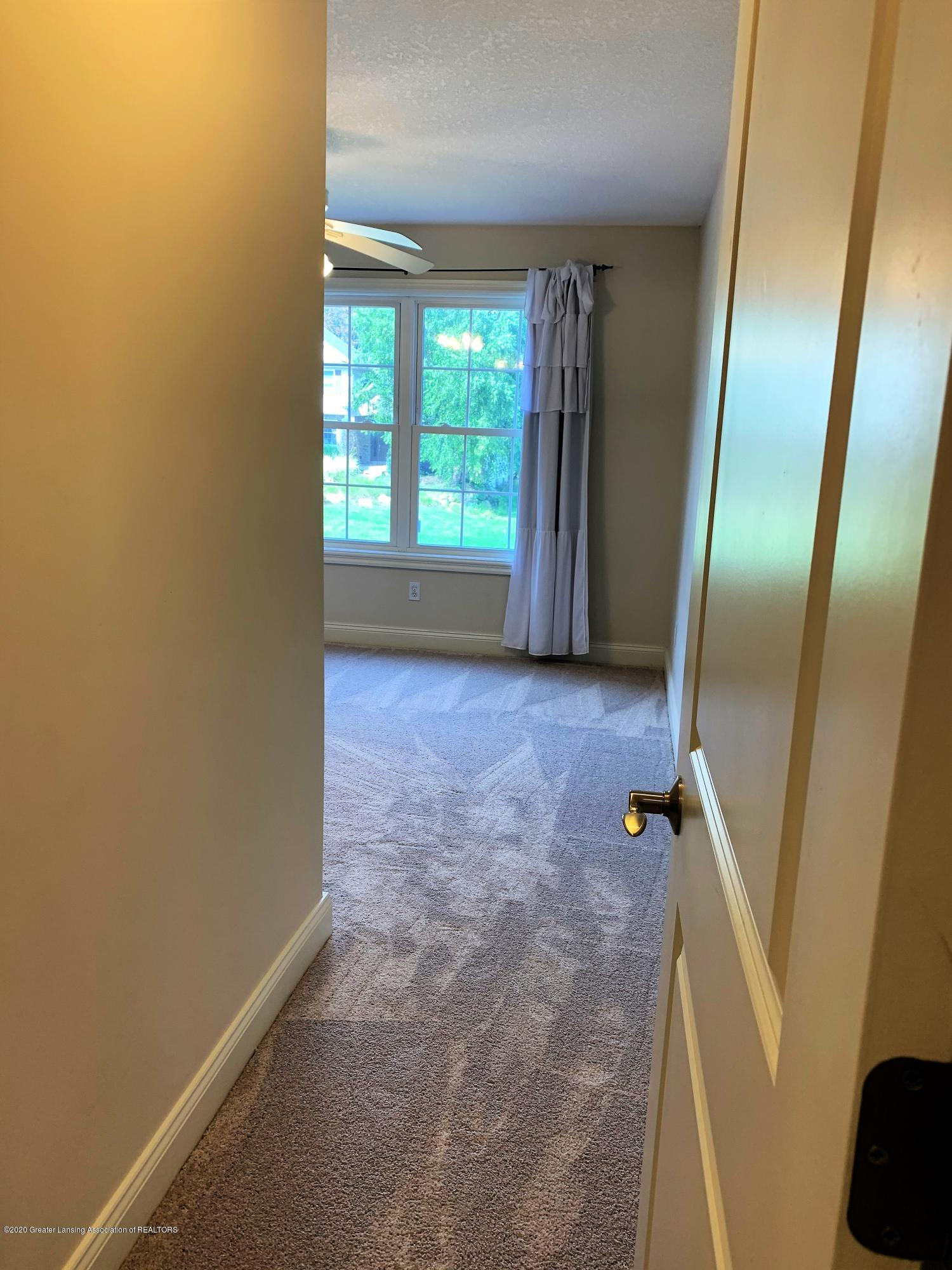 16958 Broadview Dr - IMG_4428 - 27