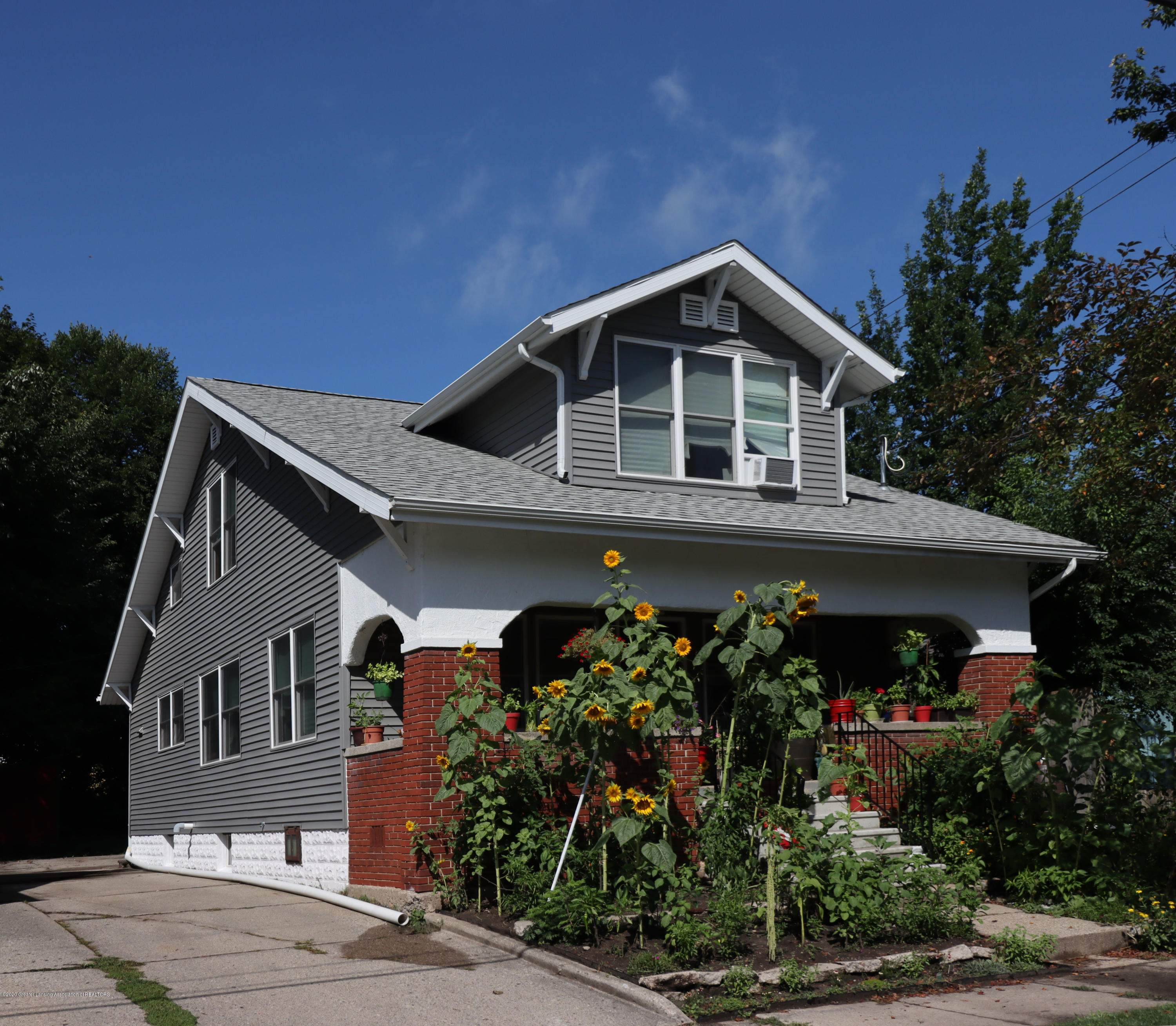 1612 Stirling Ave - Front - 1