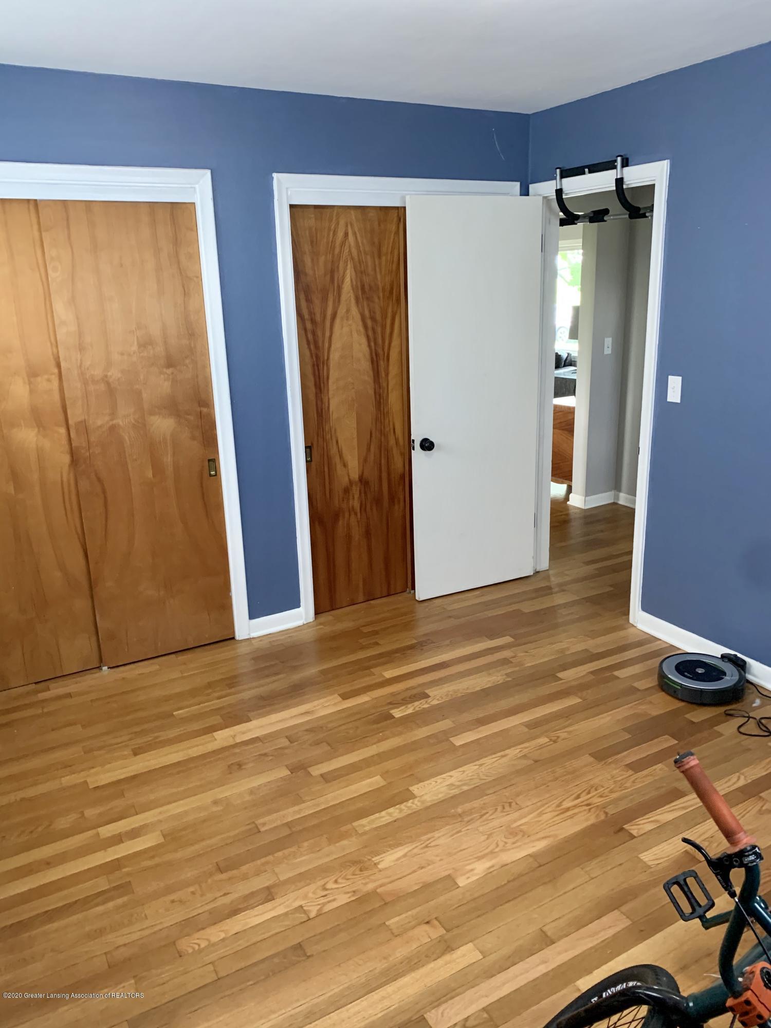 2092 Okemos Rd - Bedroom 3 - 17