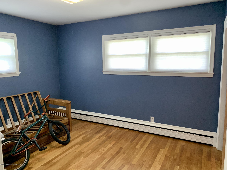 2092 Okemos Rd - Bedroom 3 - 18