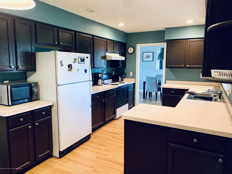 2092 Okemos Rd - Kitchen - 6