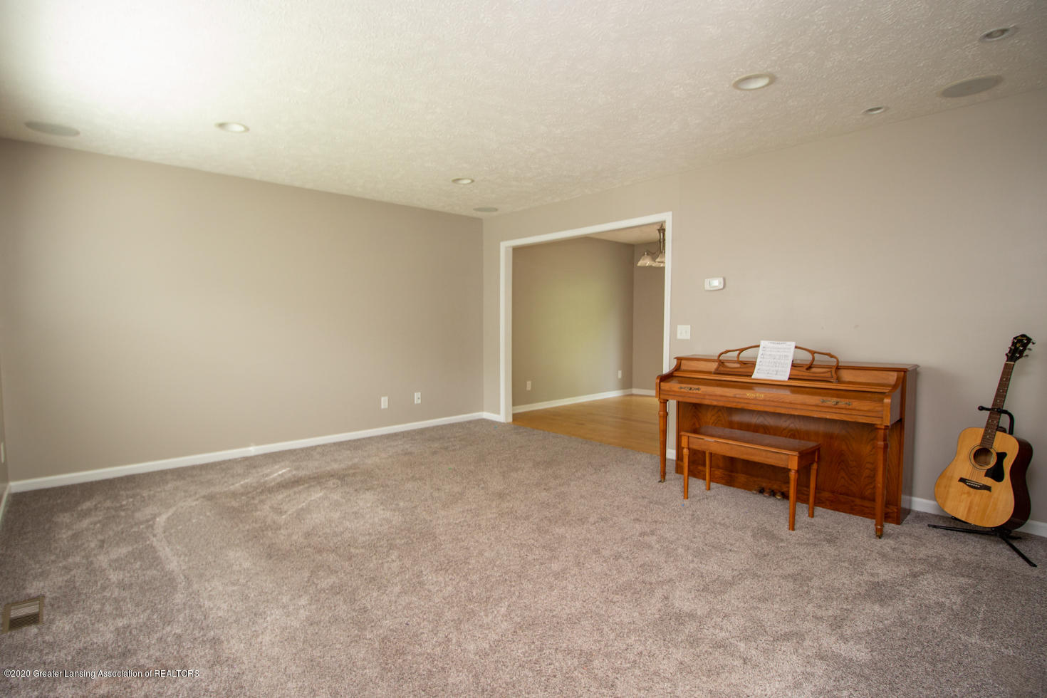 2064 Arbor Meadows Dr - Living Room - 3