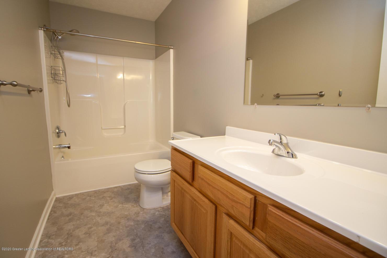 2064 Arbor Meadows Dr - Full Bath - 18