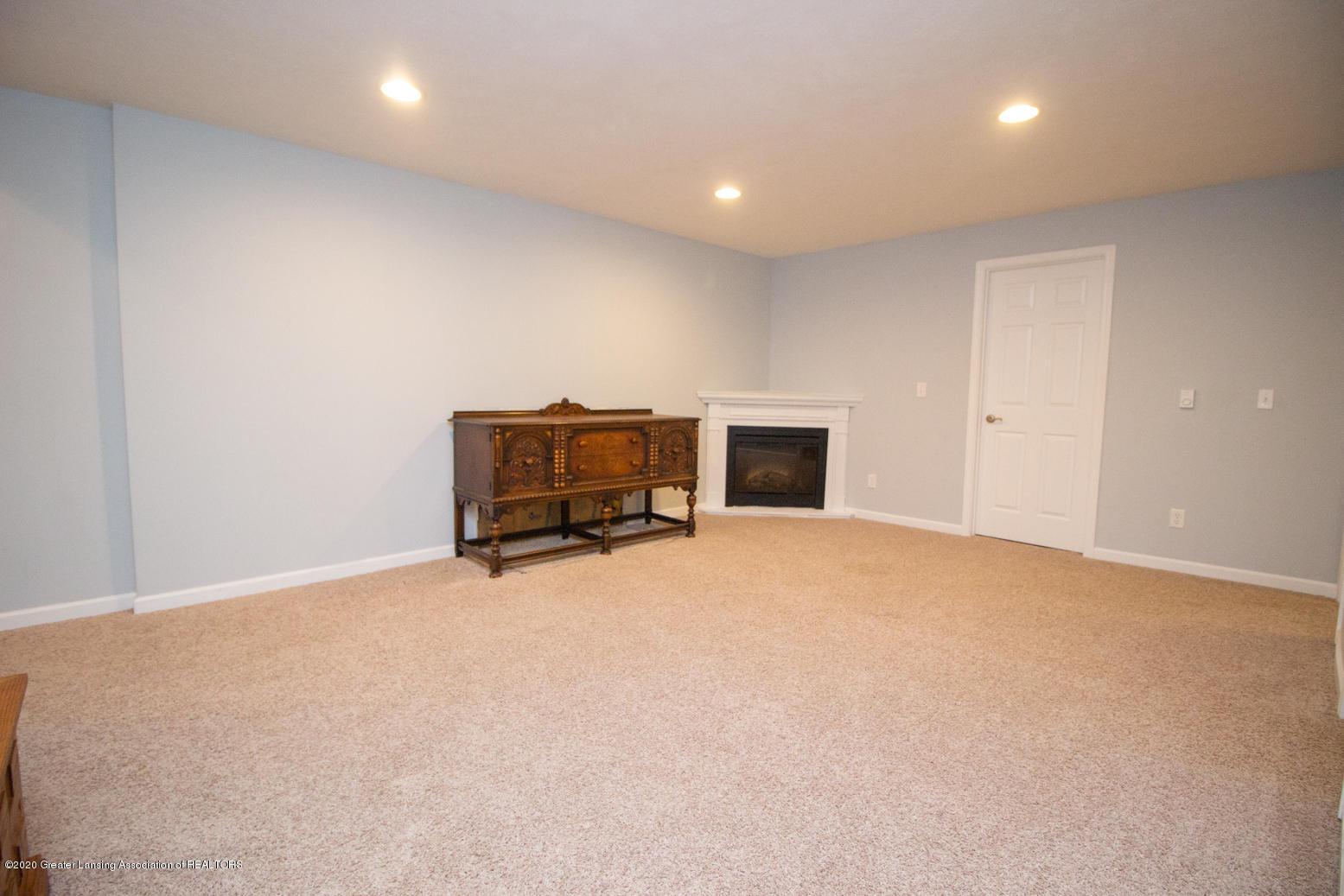 2064 Arbor Meadows Dr - Family Room - 22