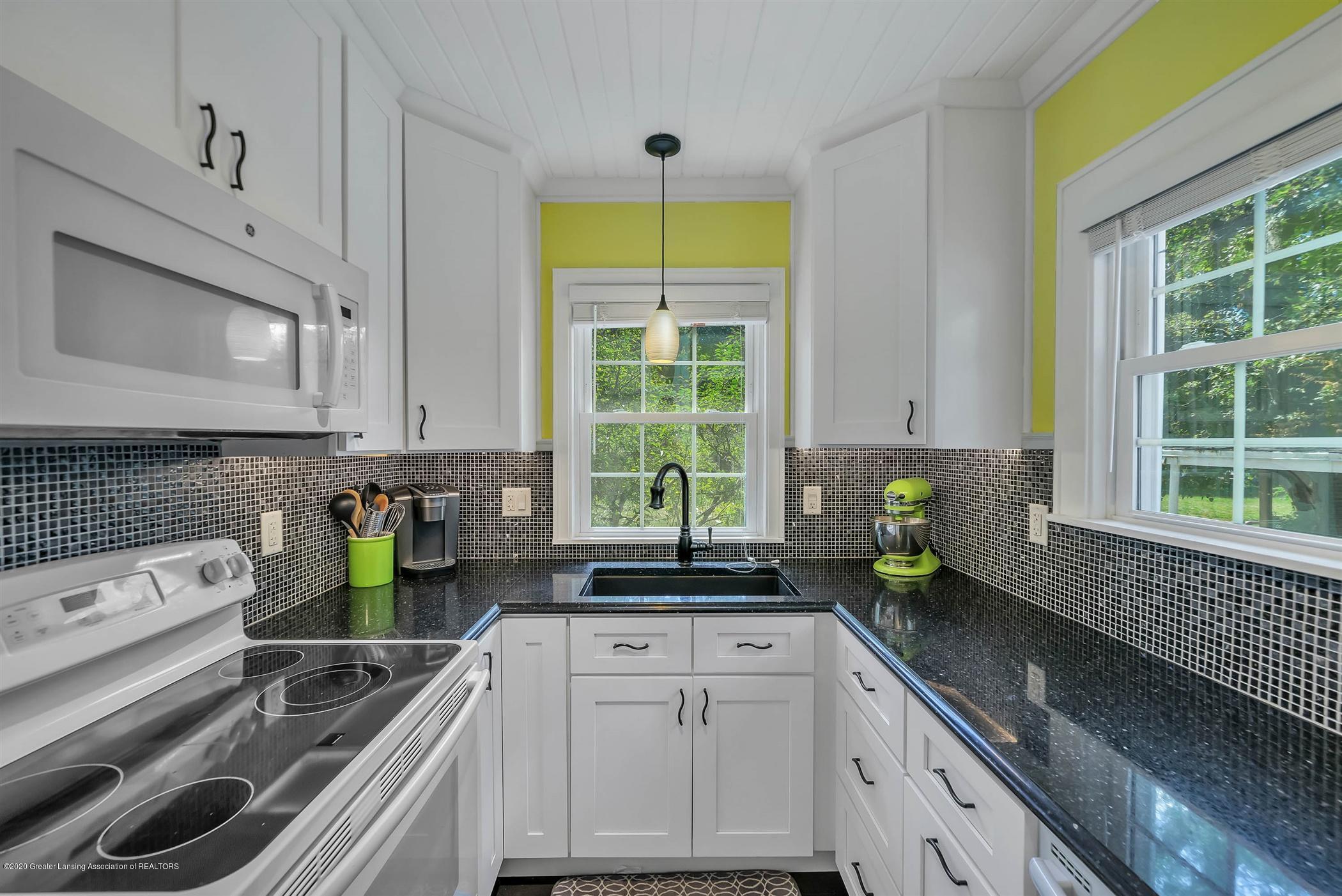 2032 Clifton Ave - (8) MAIN FLOOR Kitchen - 9