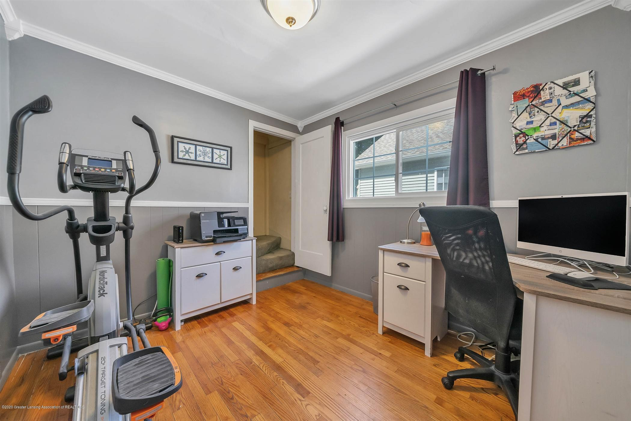2032 Clifton Ave - (16) MAIN FLOOR Bedroom - 17