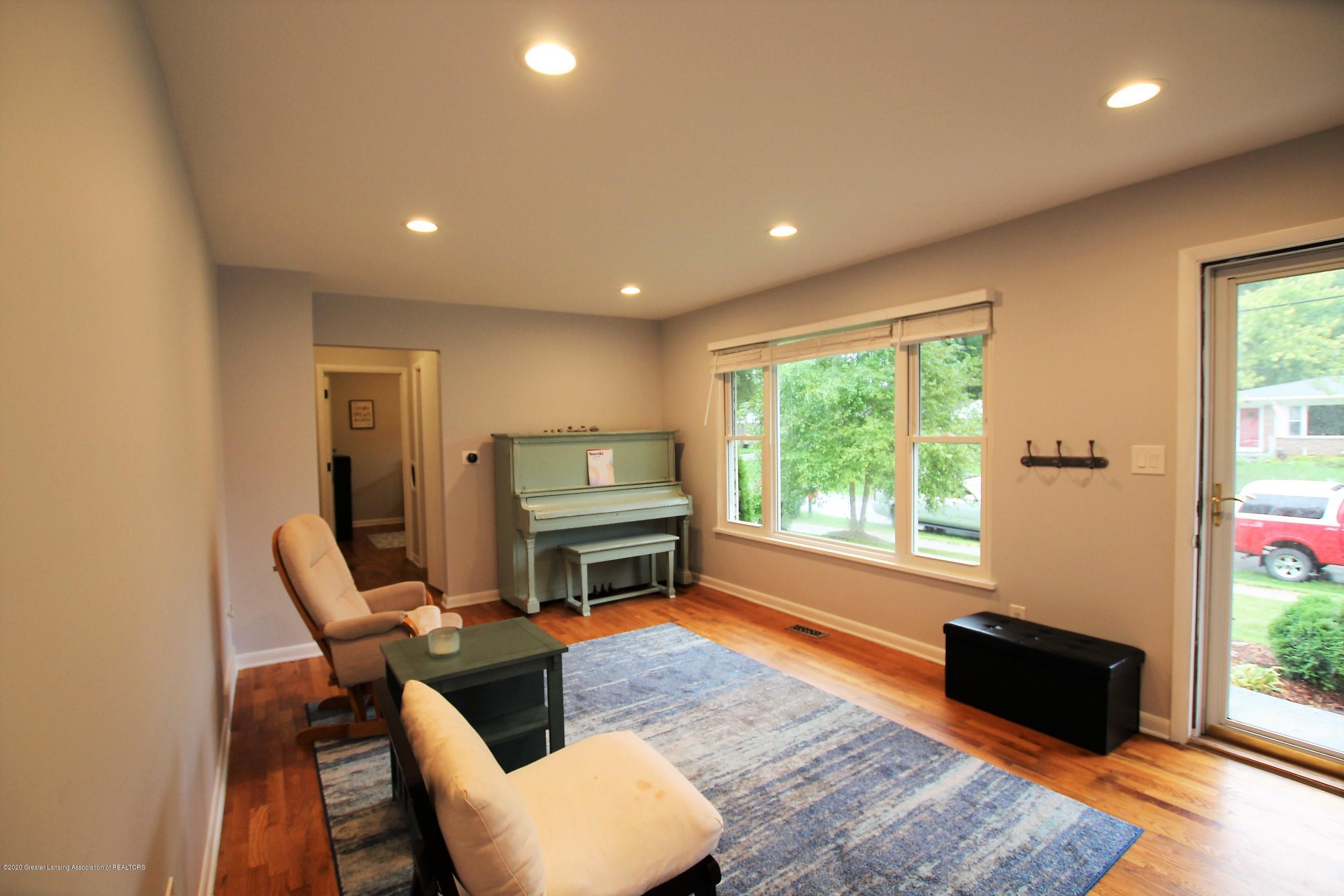 5585 Hallendale Rd - Formal Living Room - 7