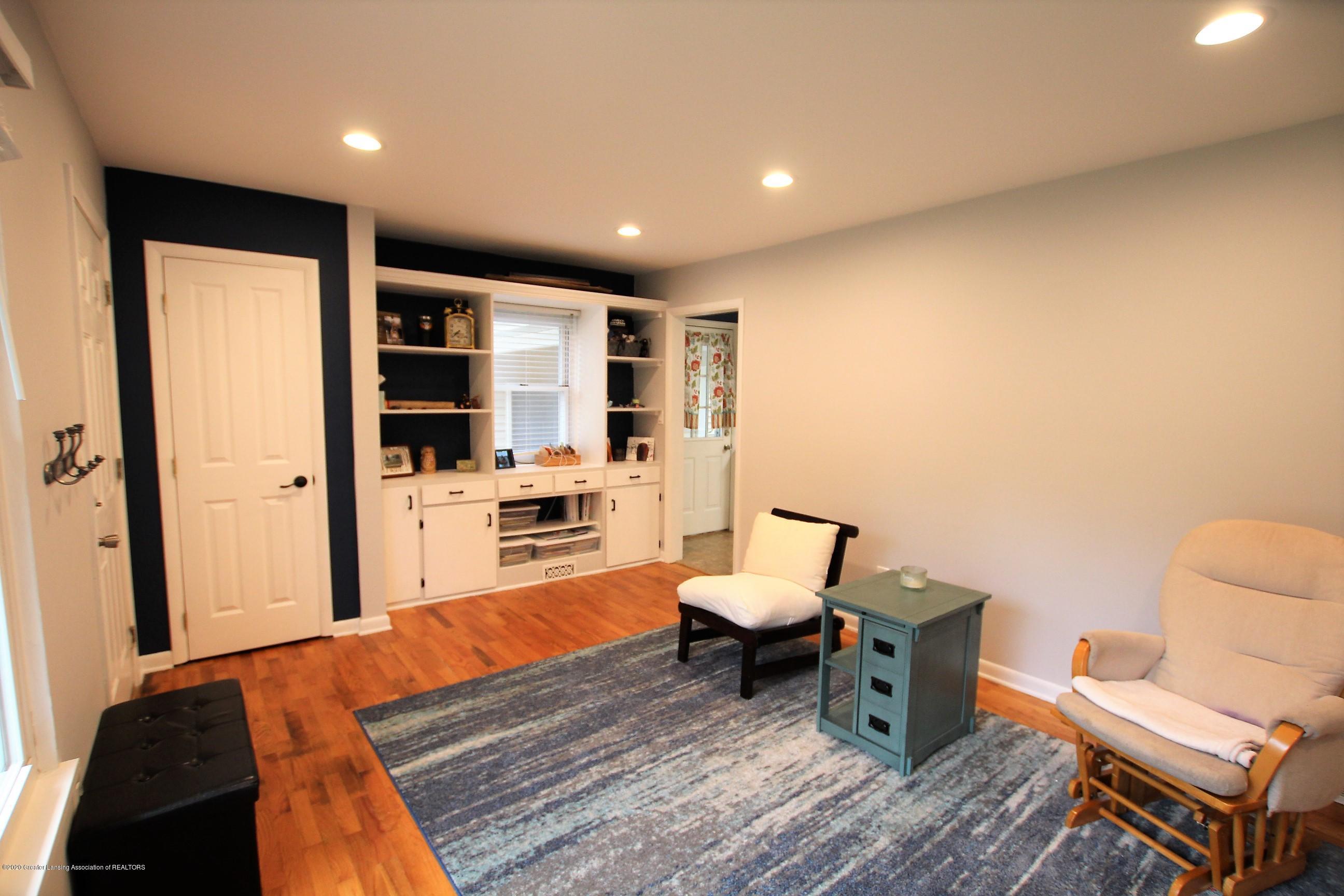 5585 Hallendale Rd - Formal Living Room - 8