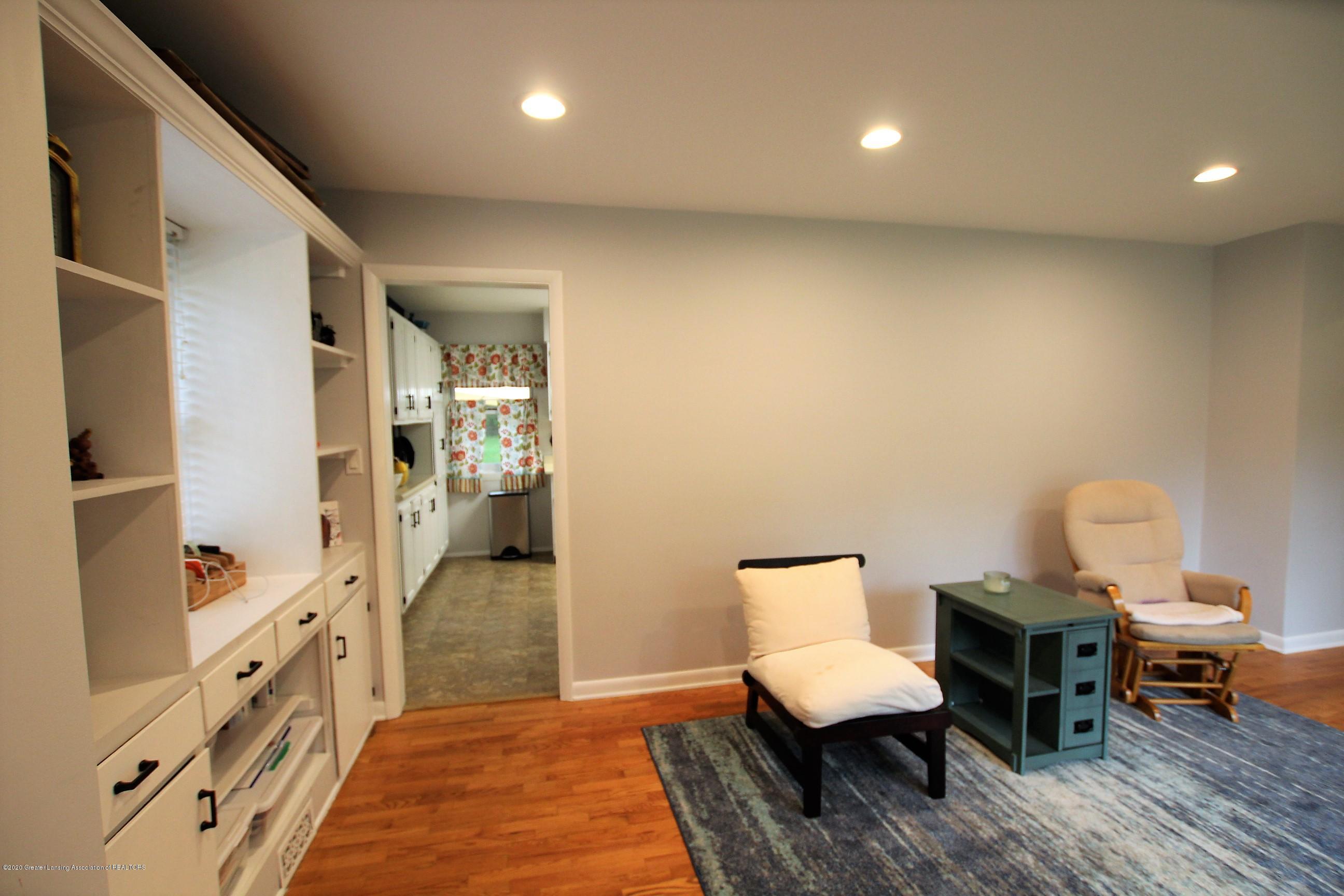 5585 Hallendale Rd - Formal Living Room - 9