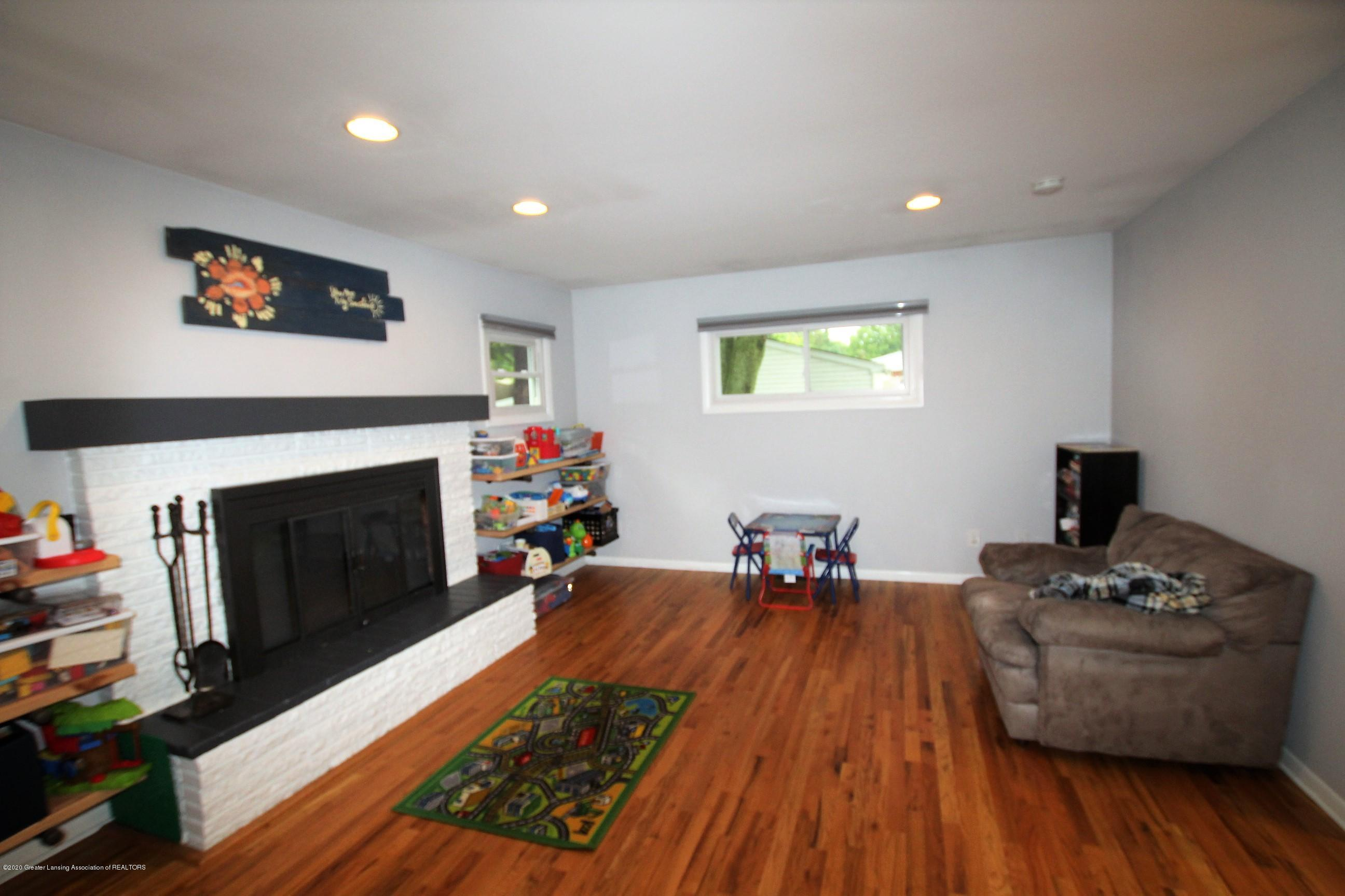 5585 Hallendale Rd - Family Room - 18