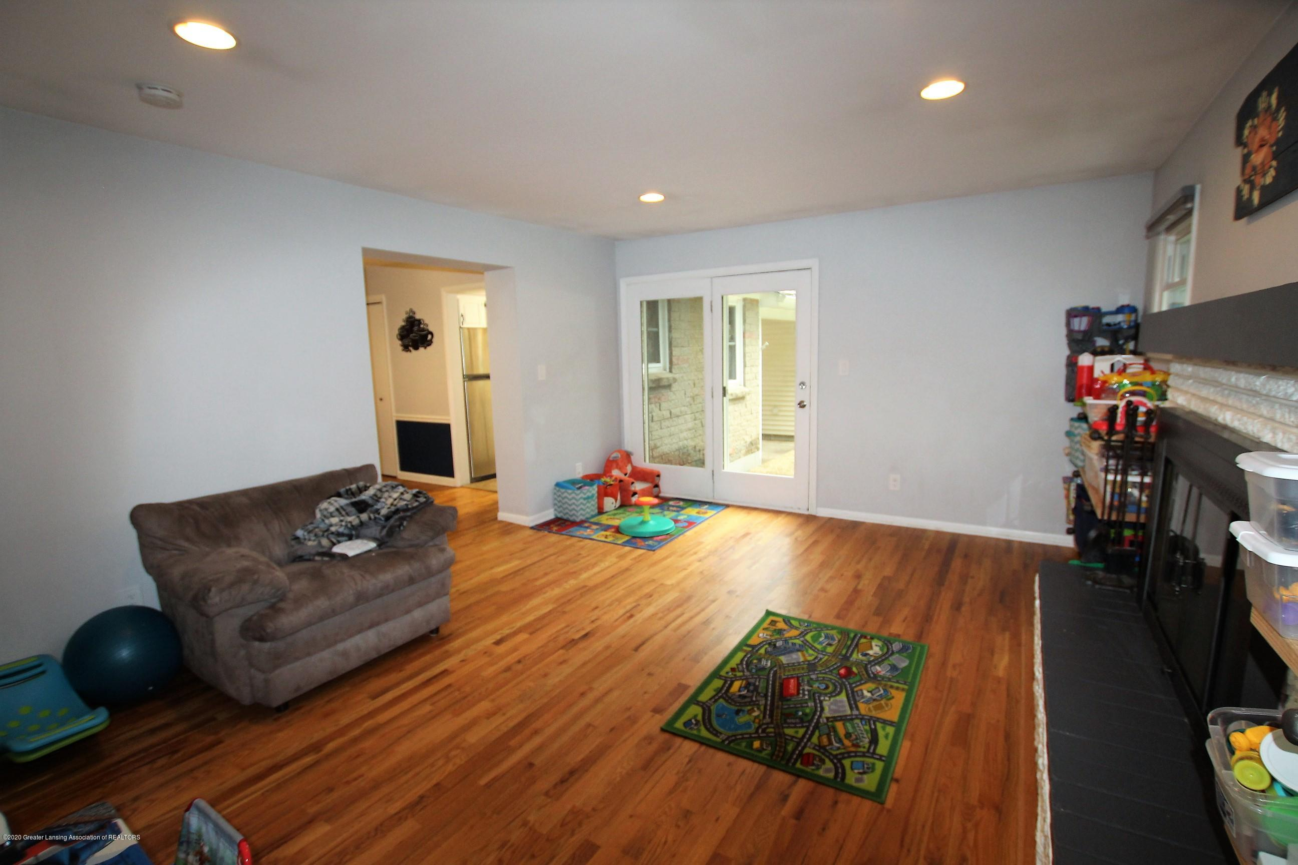 5585 Hallendale Rd - Family Room - 20
