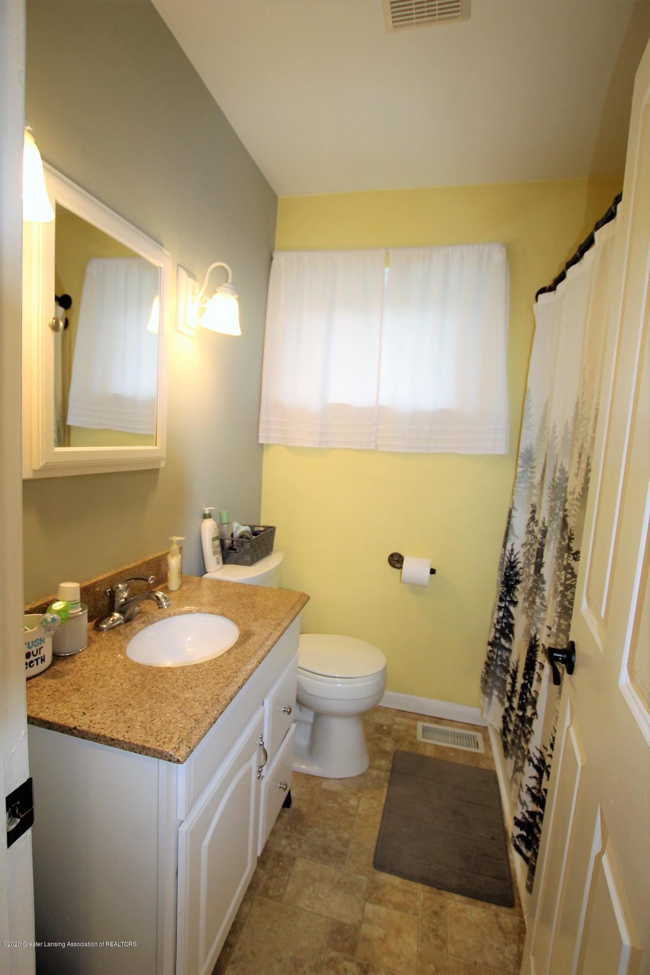 5585 Hallendale Rd - Bathroom - 29