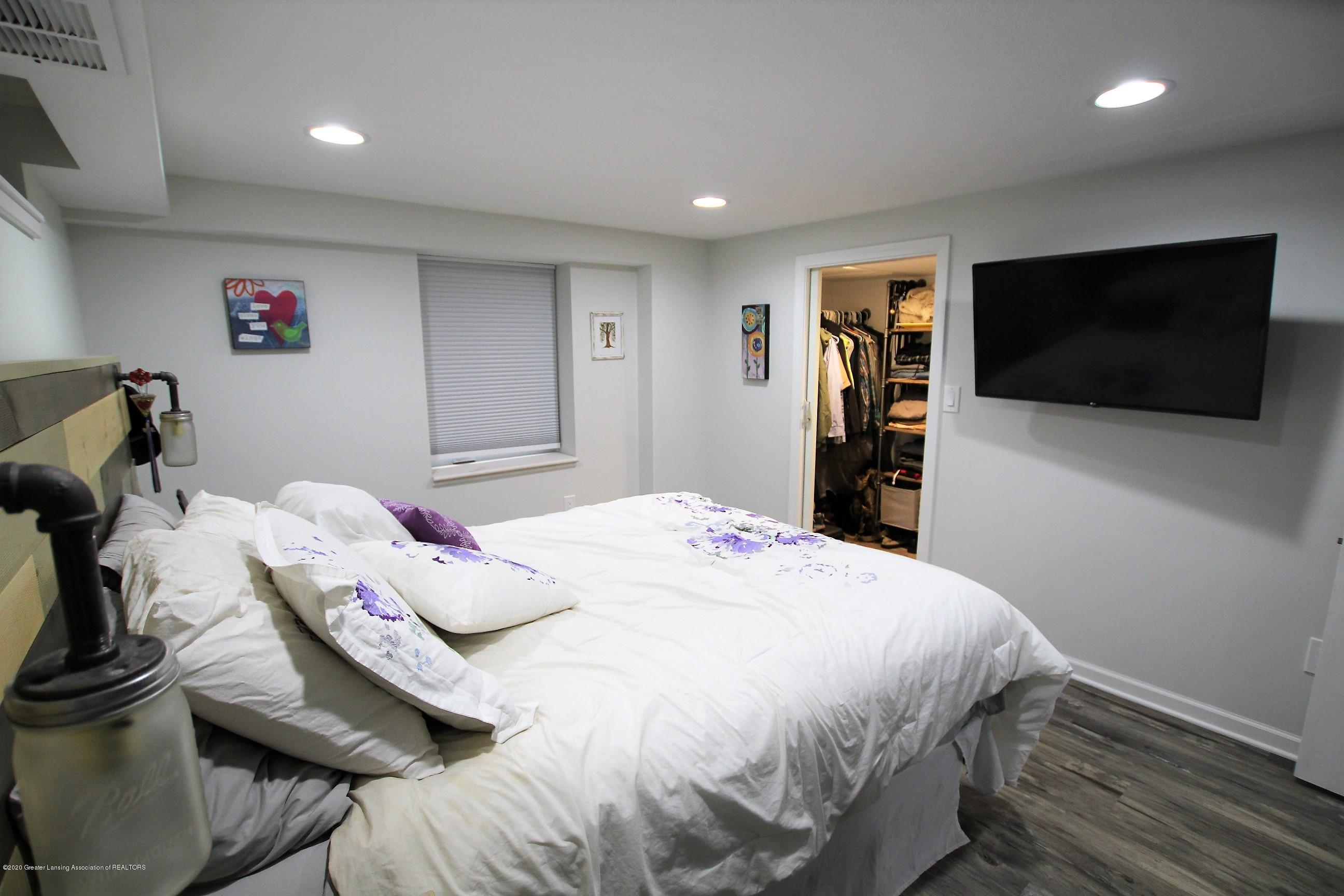 5585 Hallendale Rd - Master Bedroom - 31