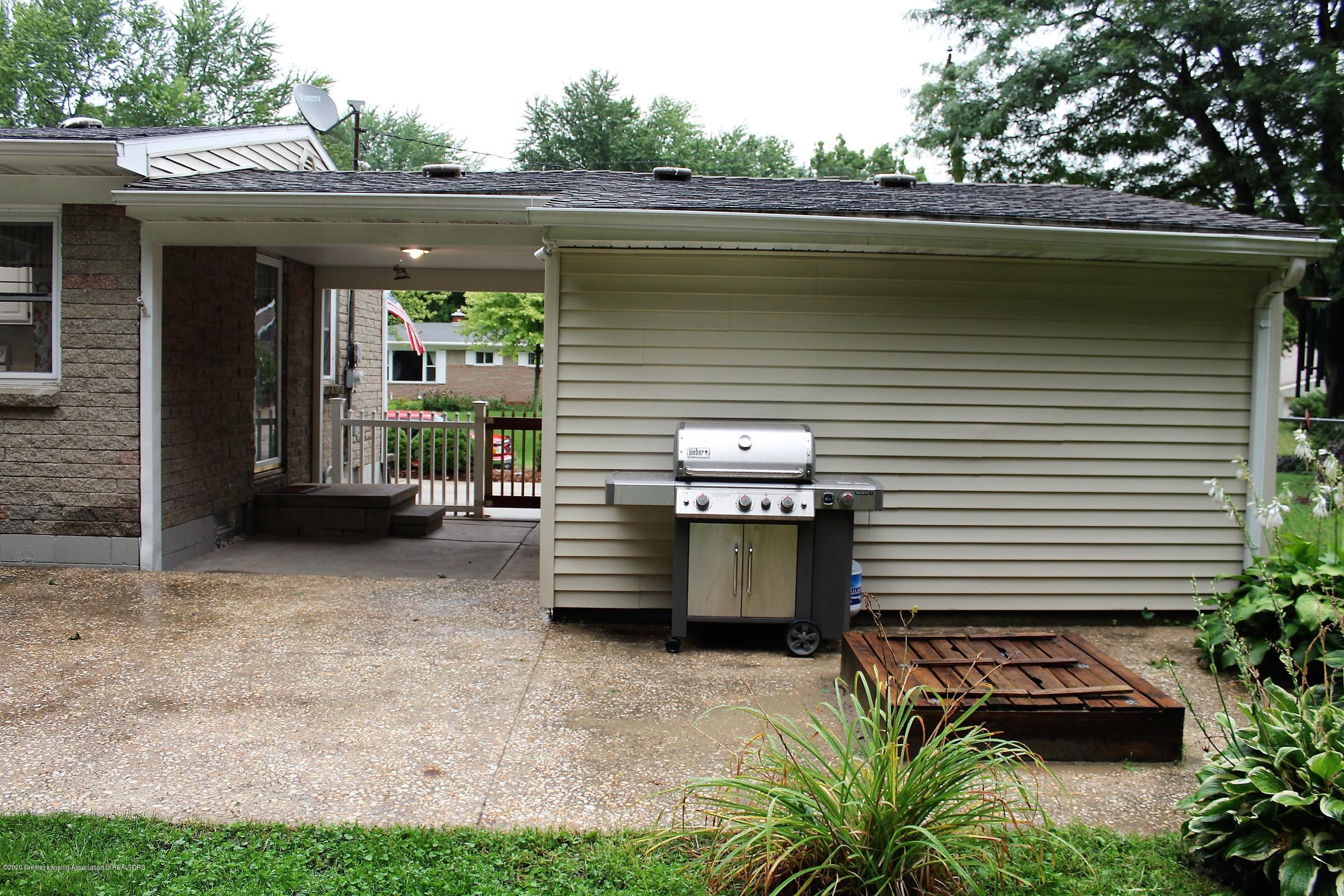 5585 Hallendale Rd - Back of Garage - 44