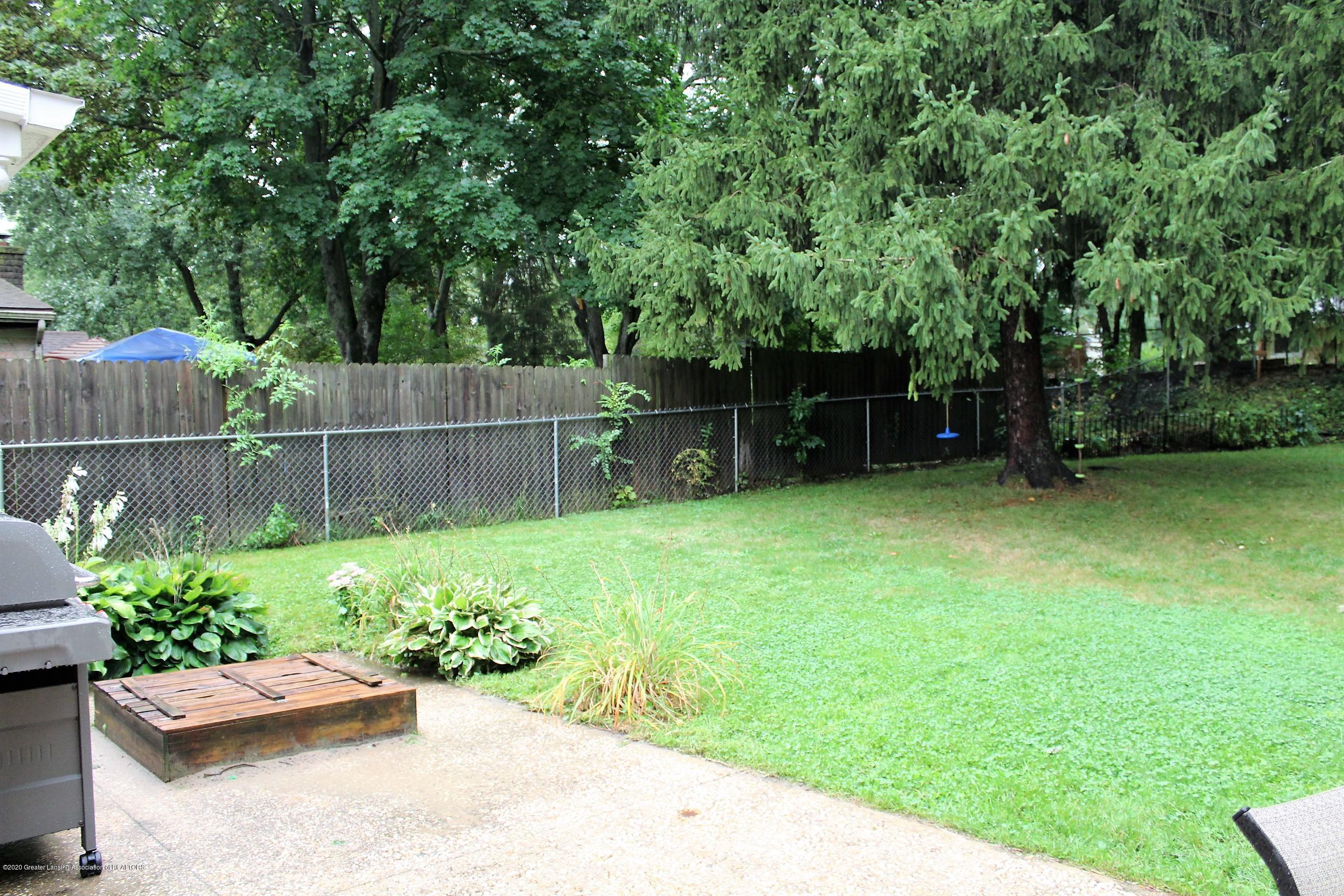 5585 Hallendale Rd - Backyard - 46