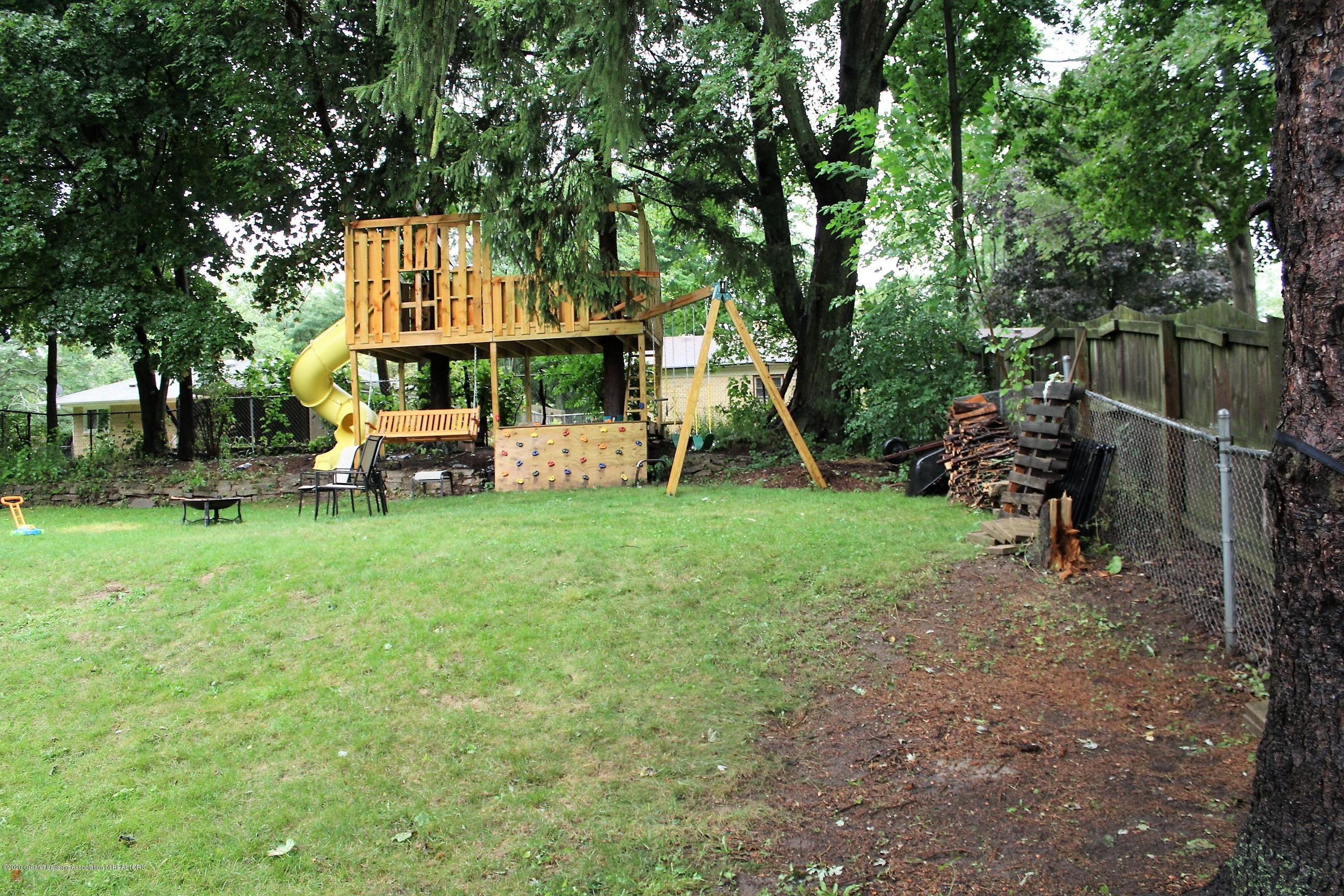 5585 Hallendale Rd - Backyard - 51