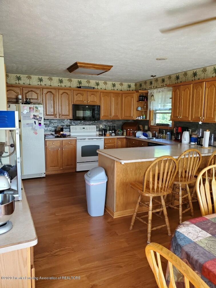 1455 W Taft Rd - kitchen - 7
