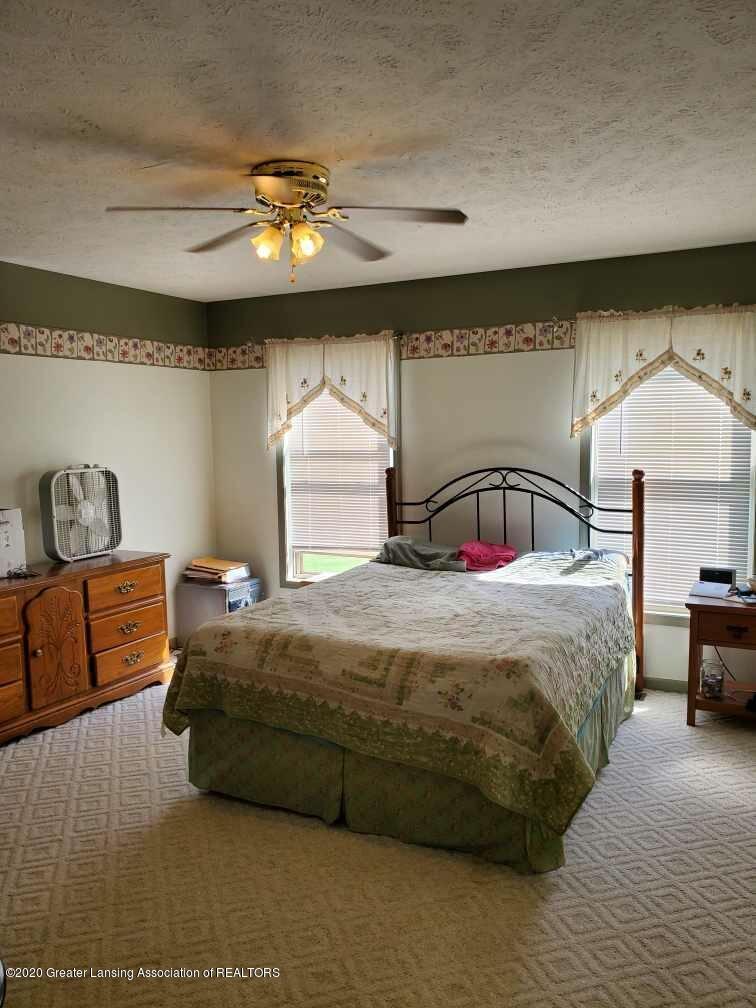 1455 W Taft Rd - Master bedroom - 8