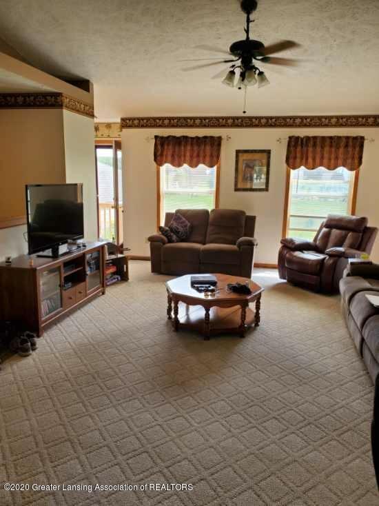 1455 W Taft Rd - Living Room - 5