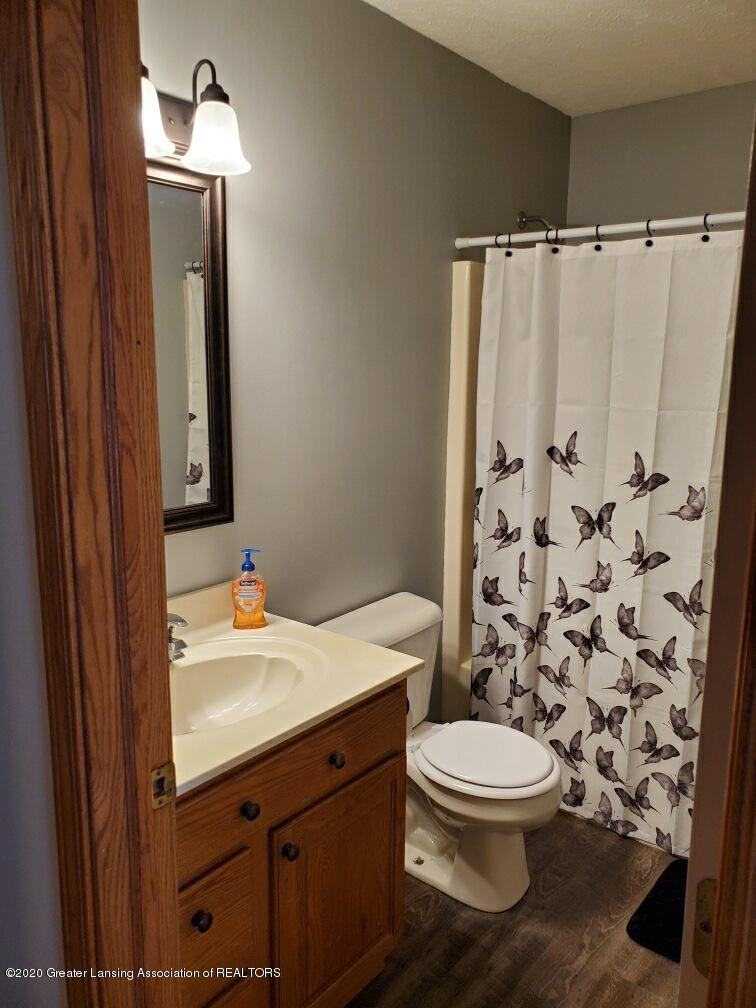 1455 W Taft Rd - 2nd Bathroom - 12
